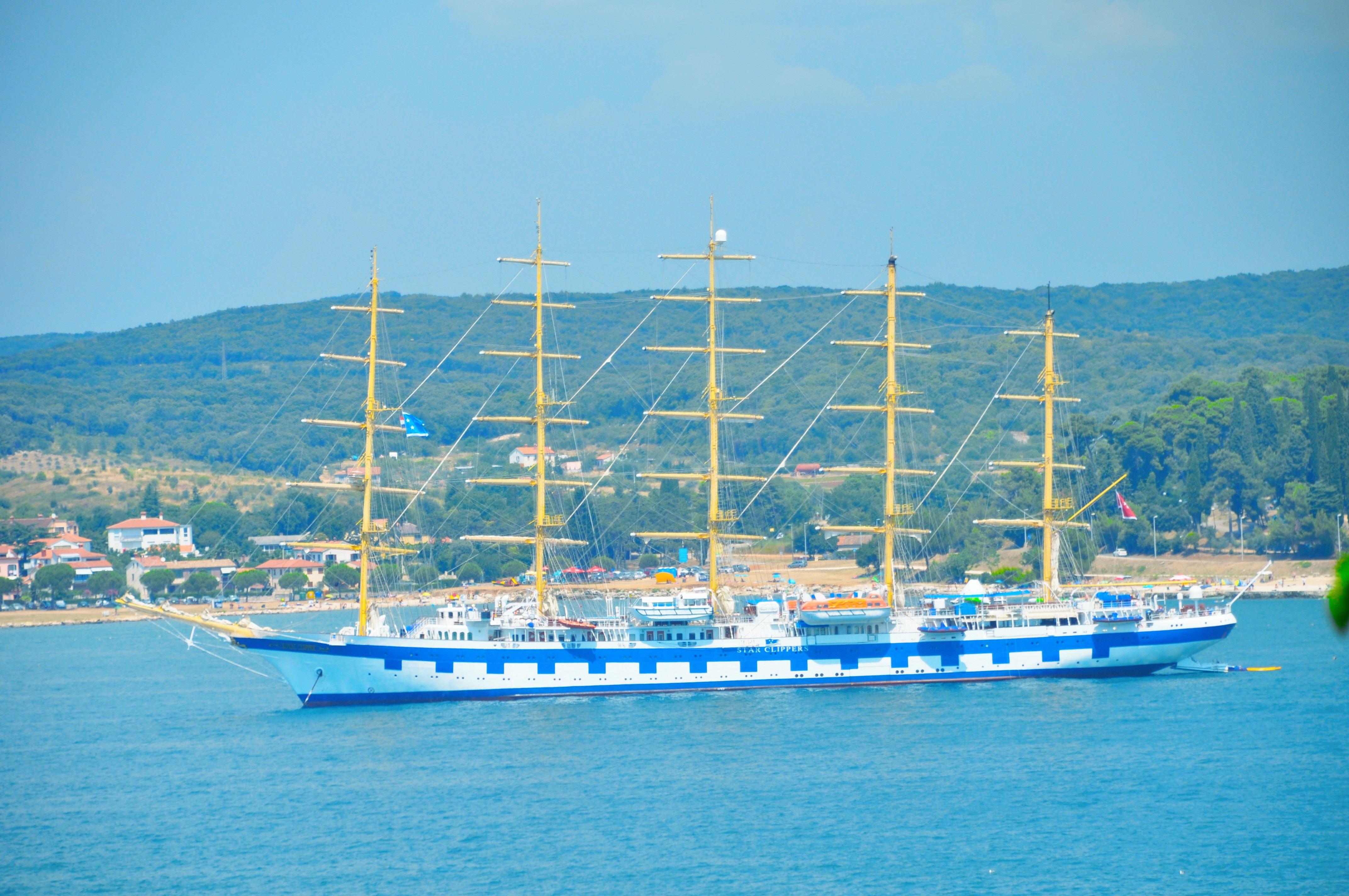 Segelschiffe auf dem meer  Kostenlose foto : Meer, Wasser, Himmel, Boot, Fahrzeug, Mast ...