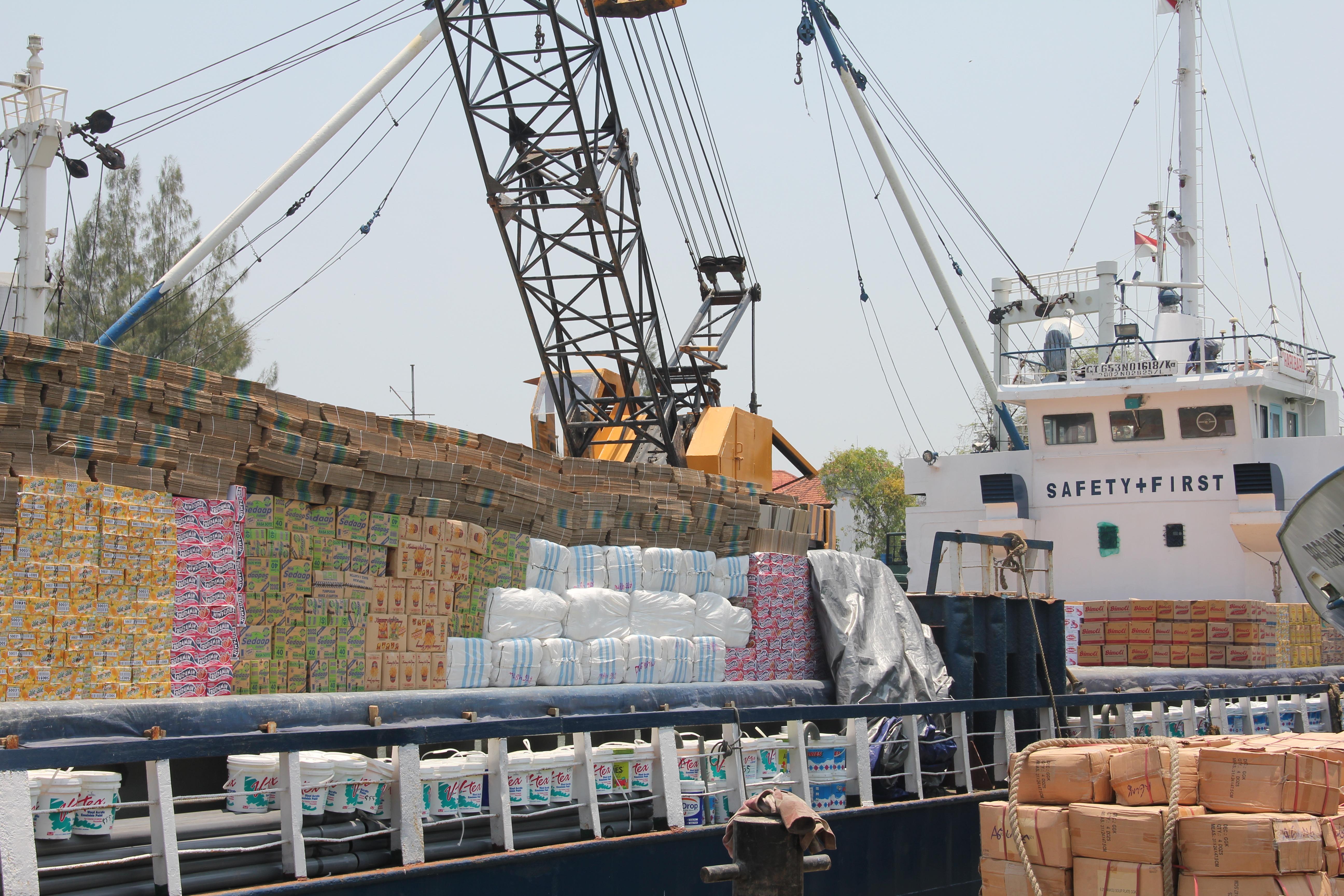 Free Images : ship, vehicle, mast, port, waterway