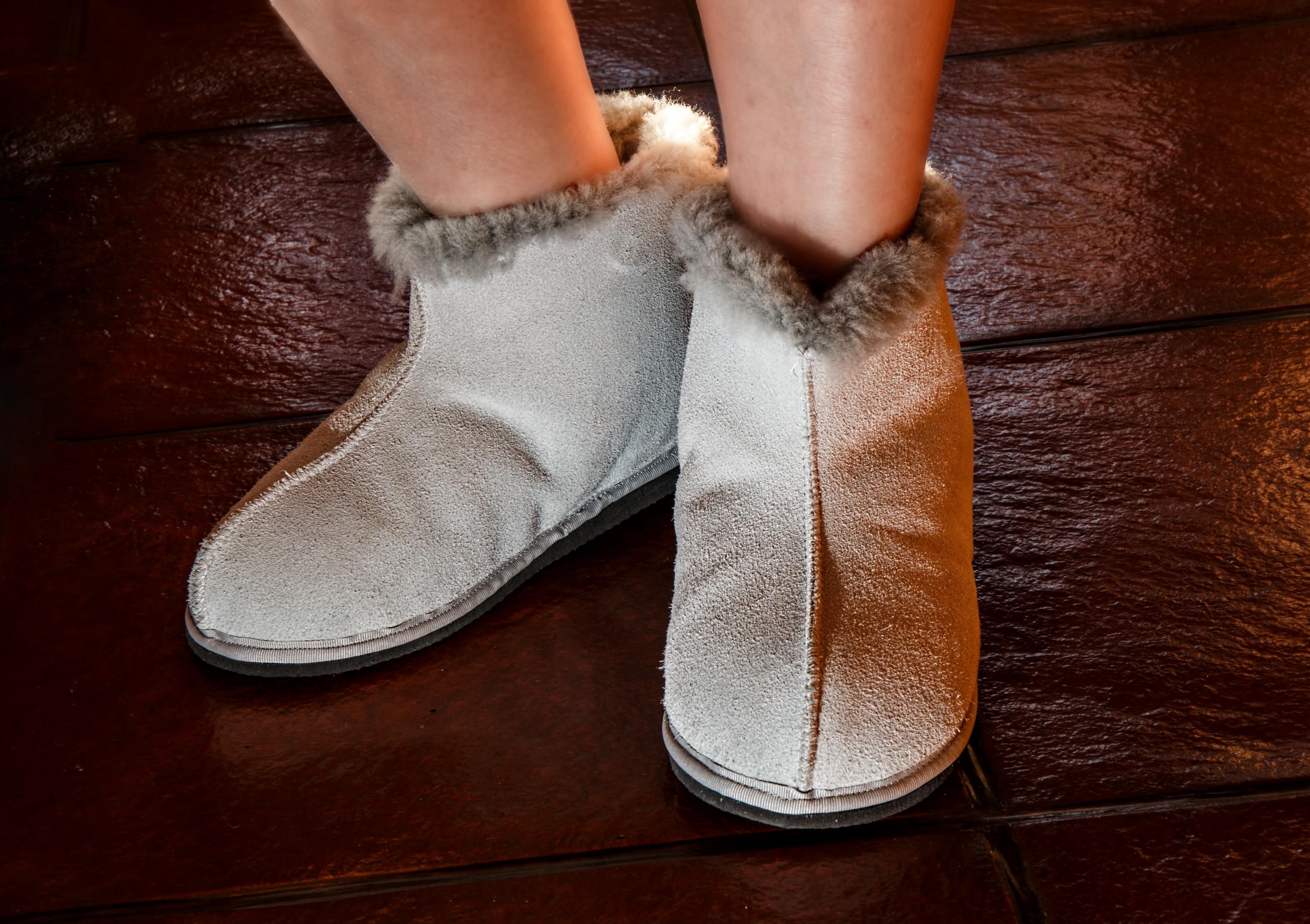 d486a79e2 Banco de imagens : sapato, frio, inverno, couro, caloroso, Pés, Bota,  perna, Primavera, pé, Castanho, confortável, corpo humano, sapatos,  relaxamento, tênis ...