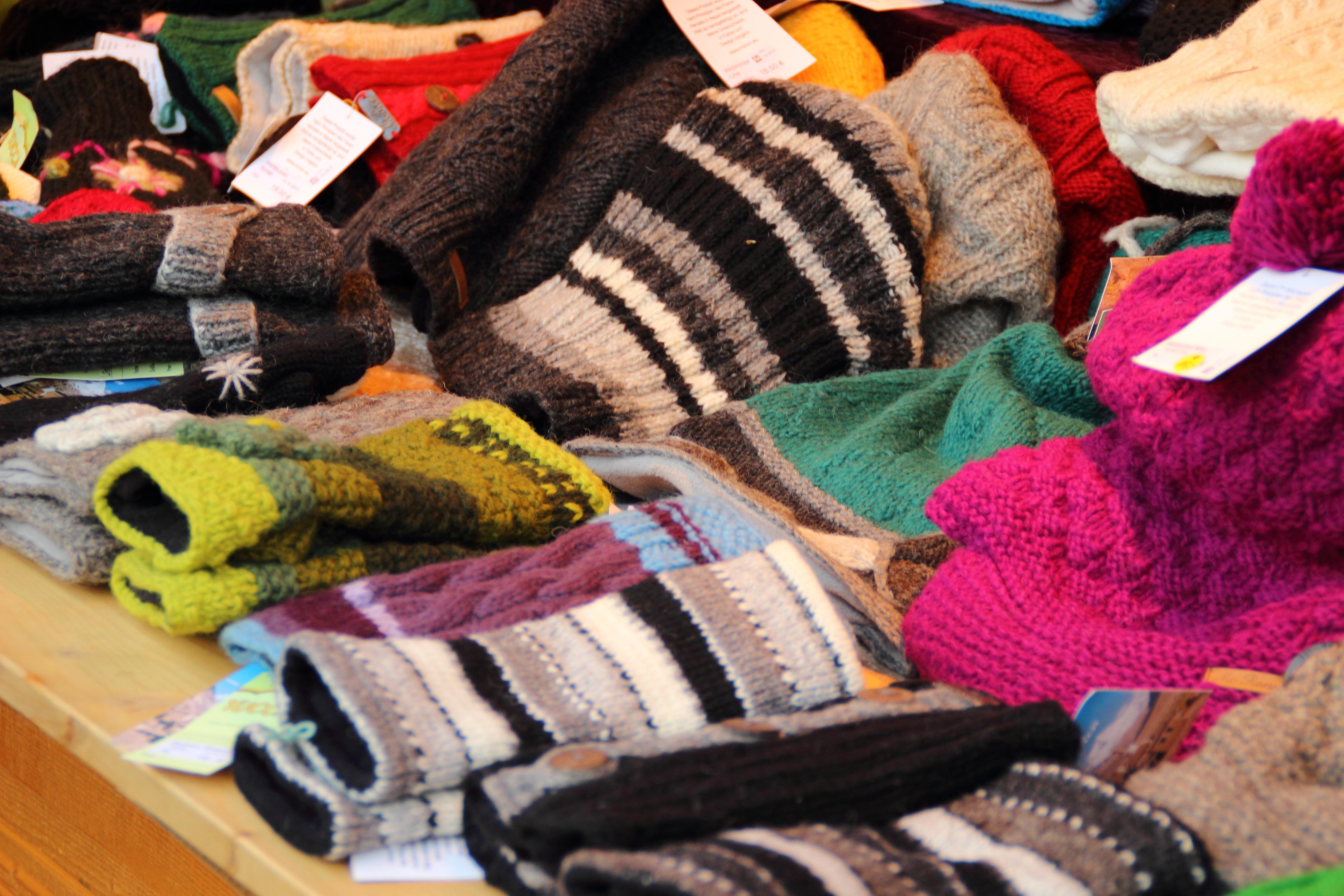 Fotos gratis : zapato, frío, invierno, calentar, color, ropa, lana ...