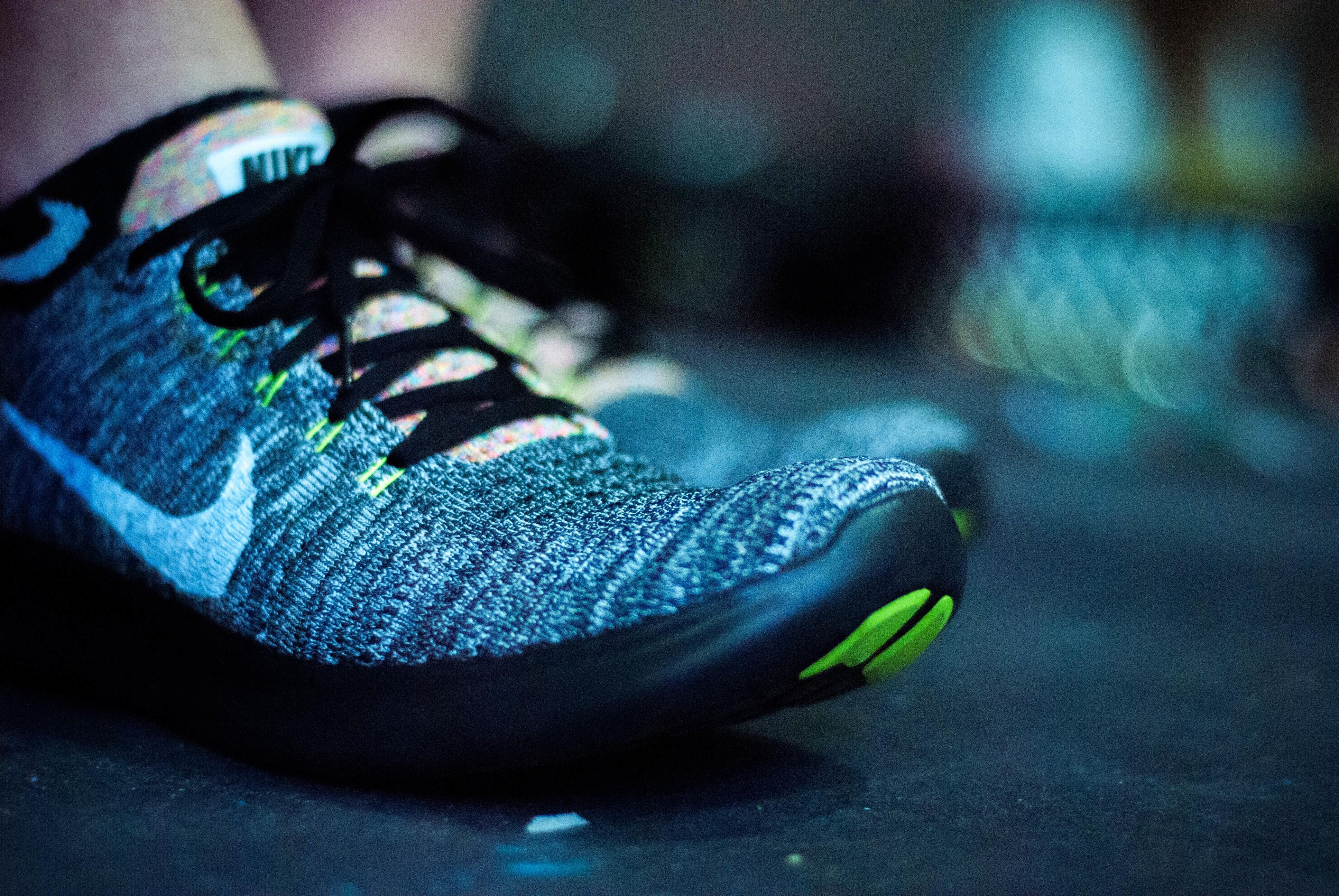無料画像 靴 緑 色 青 黒 スニーカー 履物 マクロ撮影 コンピュータの壁紙 3872x2592 無料写真 Pxhere