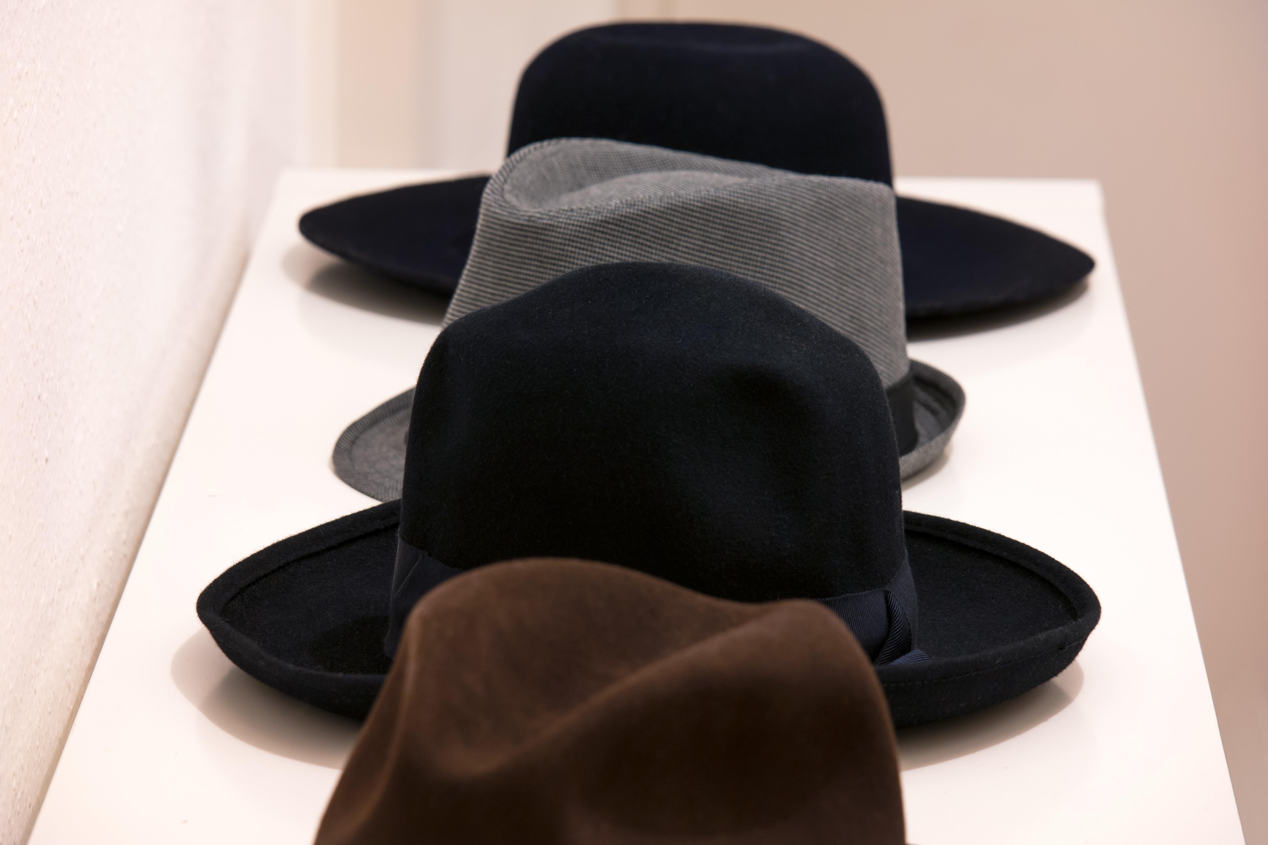 943bd7120 shoe leather leg hat clothing black sandal human body textile footwear  headwear hats fedora felt headdress Public Domain