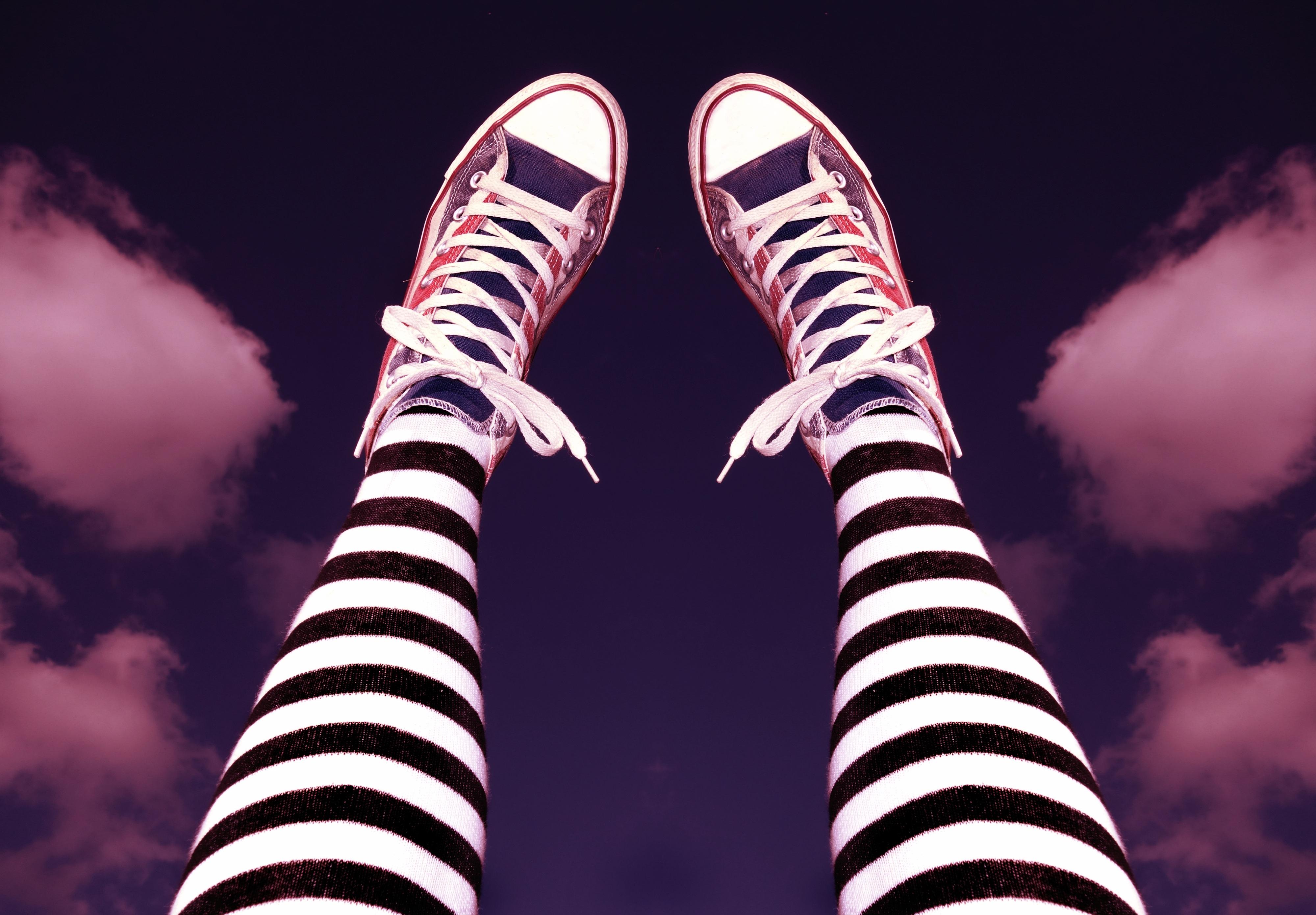sepatu cahaya wanita warna mode keren kaki sepatu kets garis garis alas kaki a celana