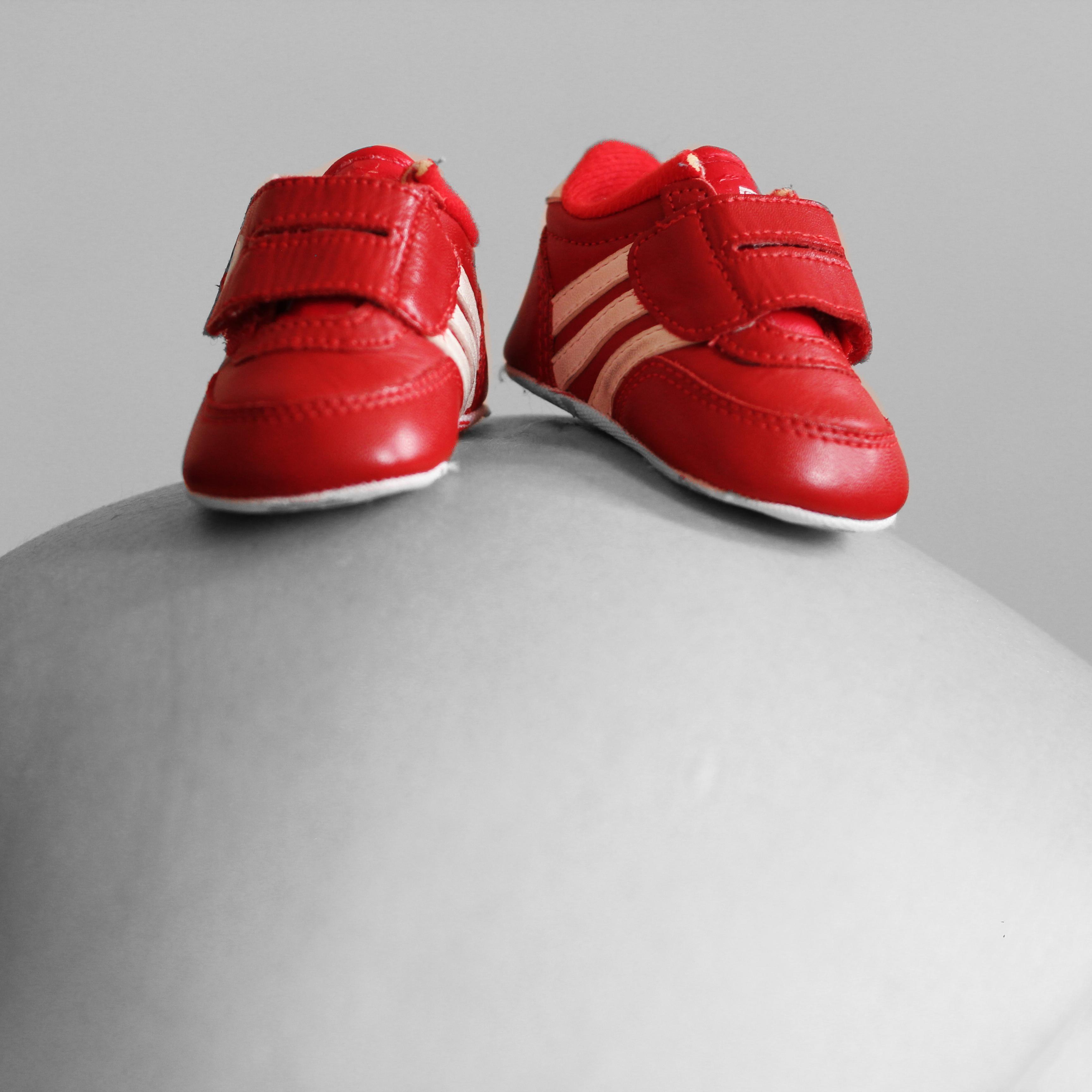Fotos gratis : zapato, blanco, cuero, rojo, rosado, bebé, el ...