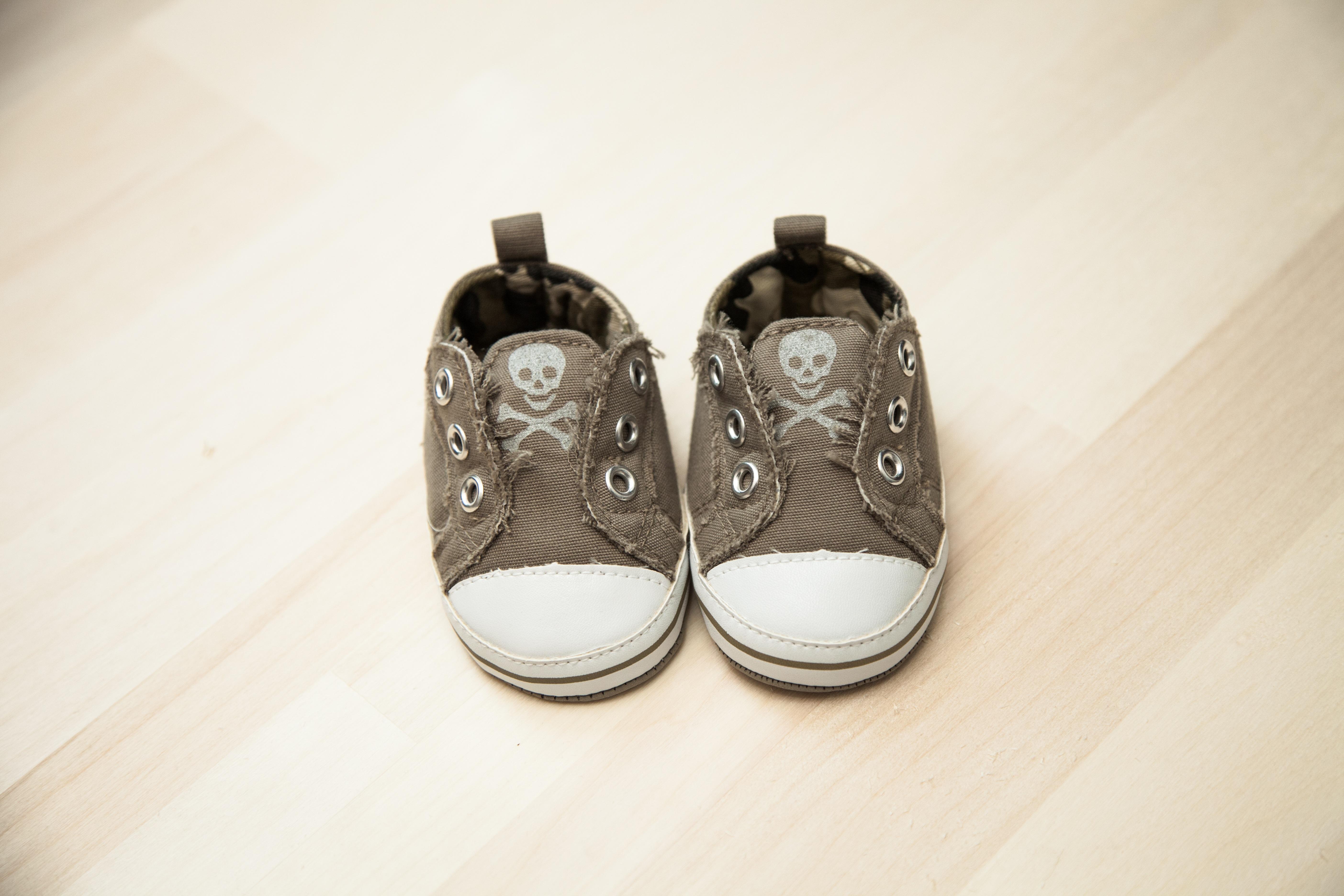 Kostenlose foto : Schuh, Weiß, Schädel, Baby, Produkt, Schuhe, Beige ...