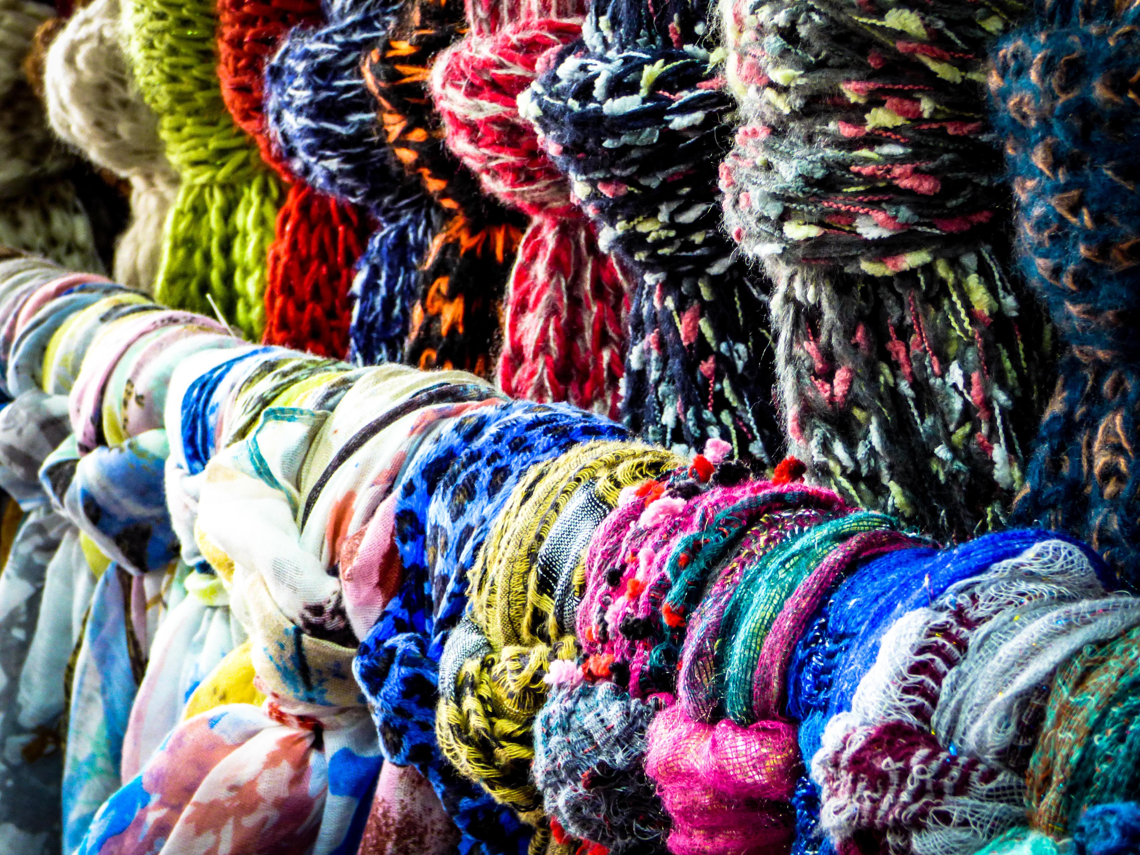 8151b7c7a fazer compras cor moda roupas cachecol material loja de roupas fio têxtil  arte roupas vestido feminino