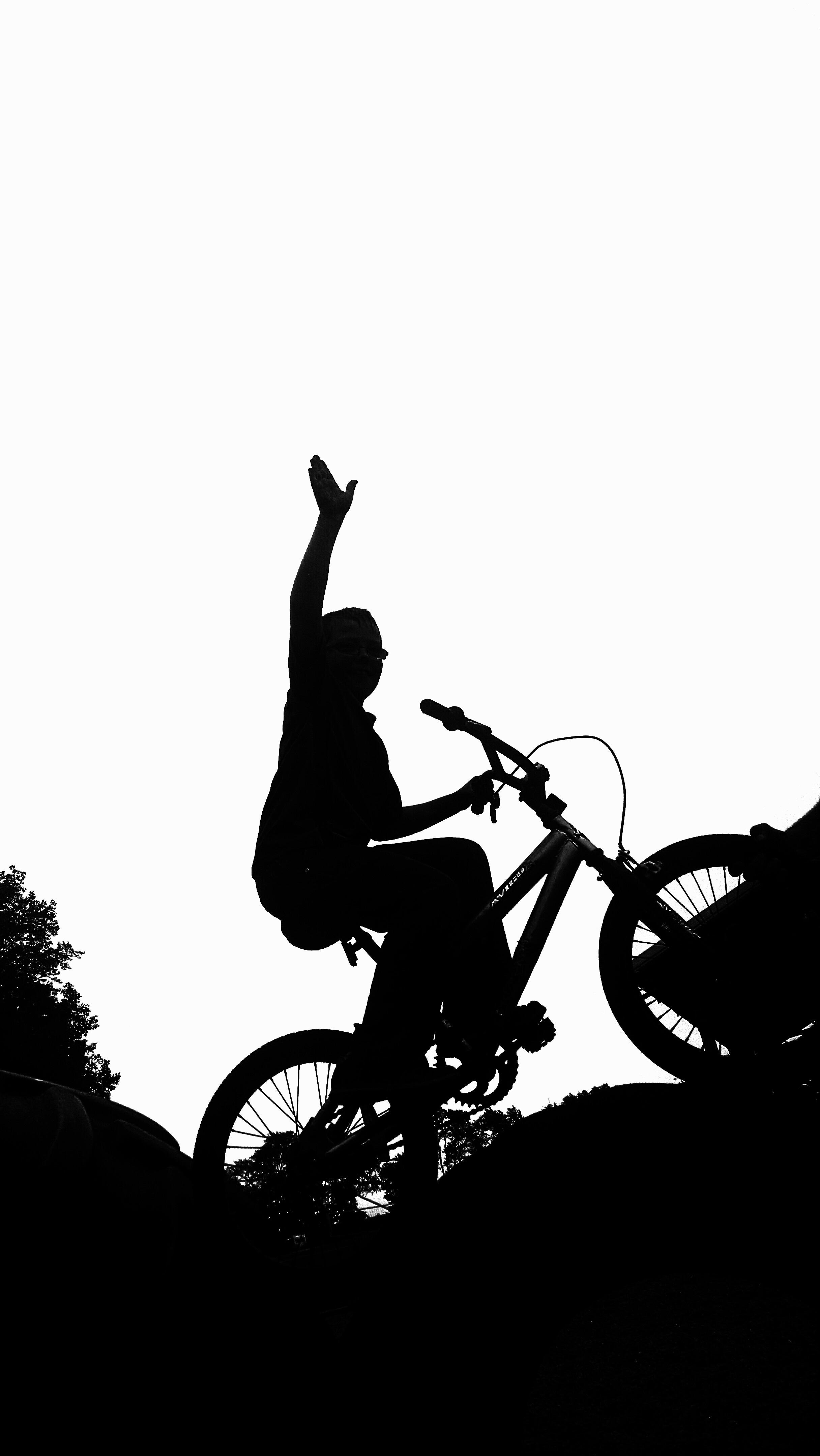 Gambar Bayangan Hitam Hitam Dan Putih Olahraga Anak Laki Laki Pengendara Sepeda Mengendarai Satu Warna Bmx Ras Kompetisi Kesenangan Ilustrasi Bersepeda Gitaris Gambar Kartun Sepeda Motor Trail Fotografi Monokrom 2432x4320