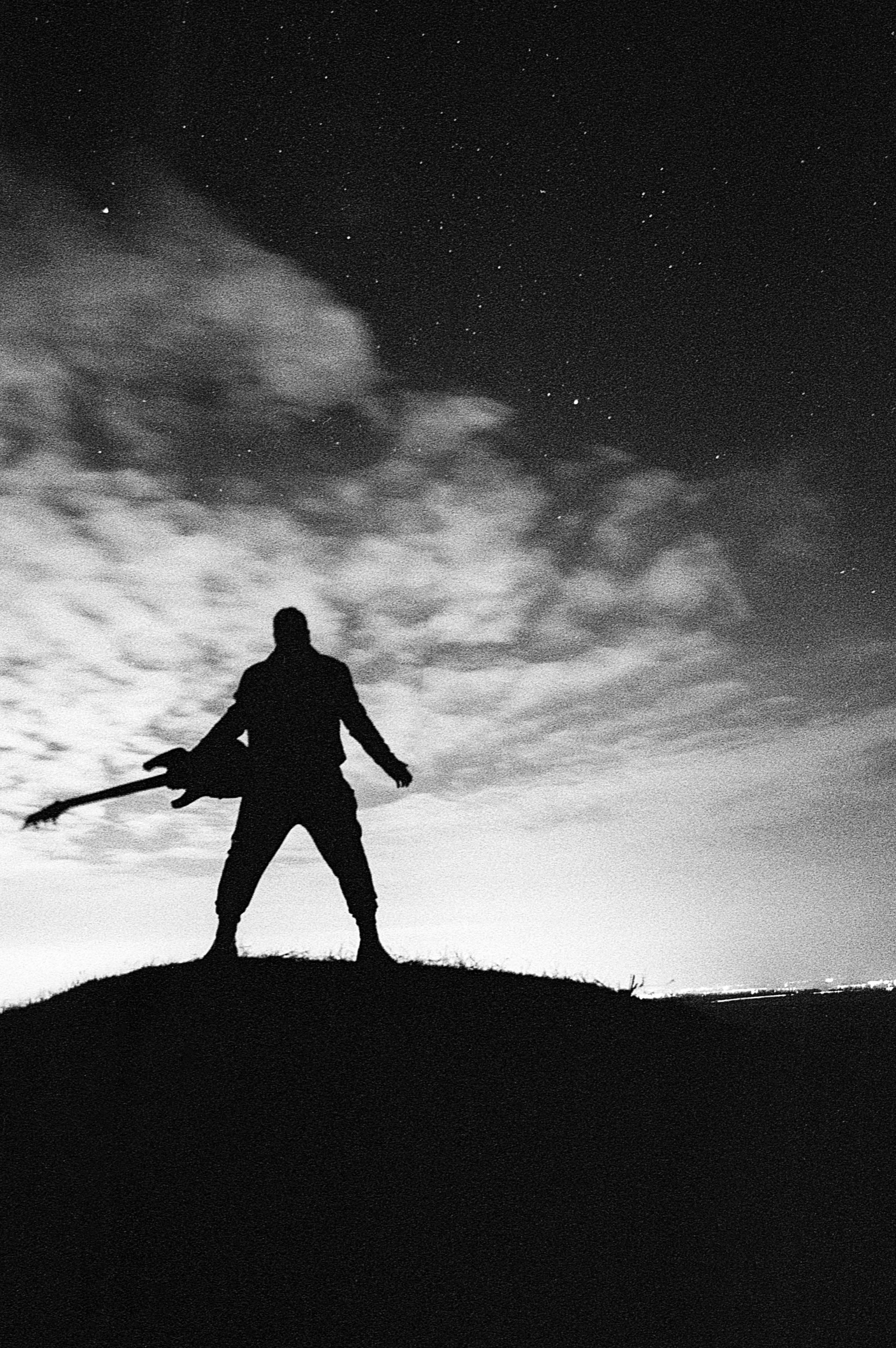 тень мужчины в одиночном полете картинки прошлого сезона