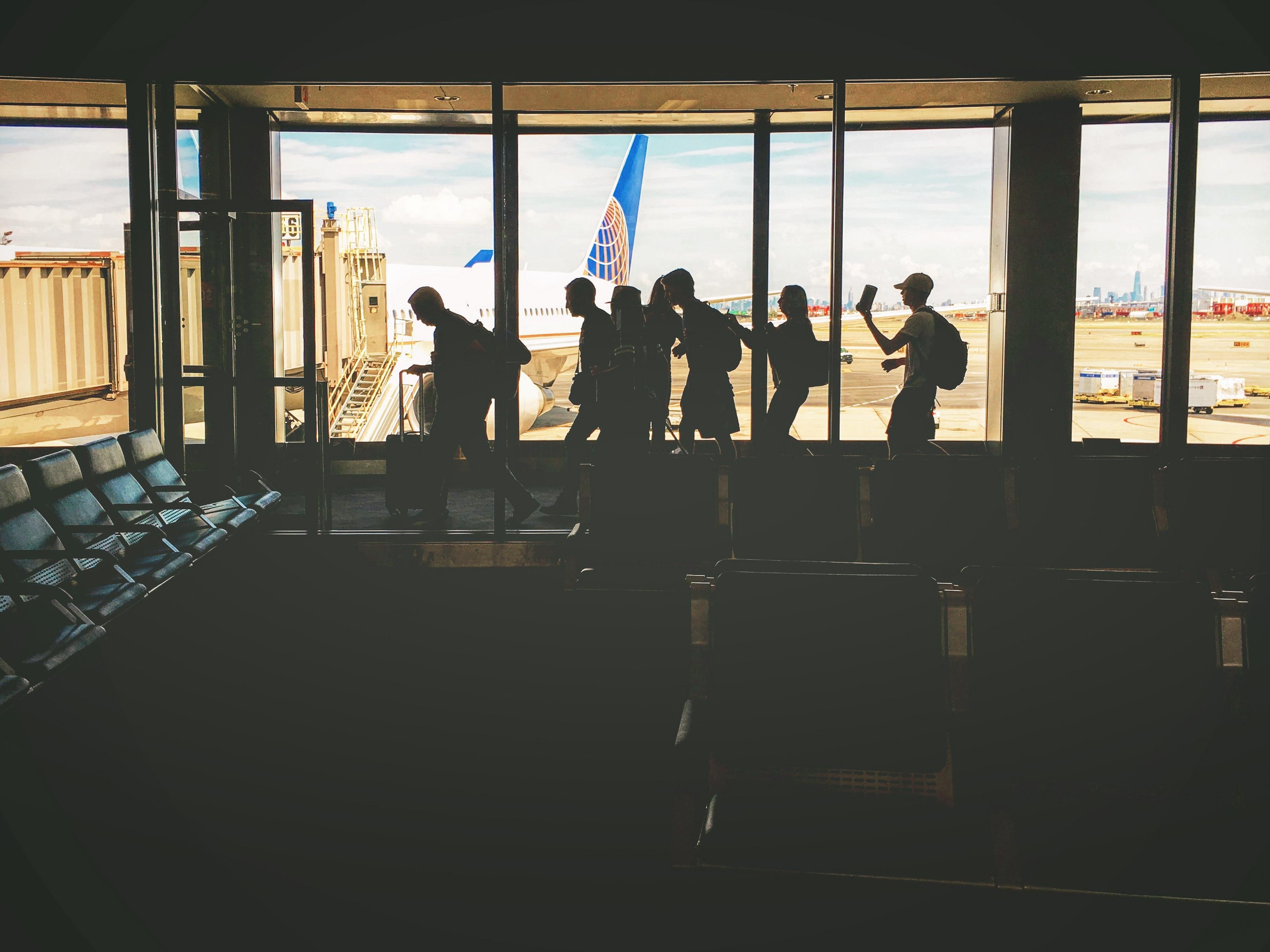 Gambar Bayangan Hitam Orang Orang Bandara Perjalanan Pesawat