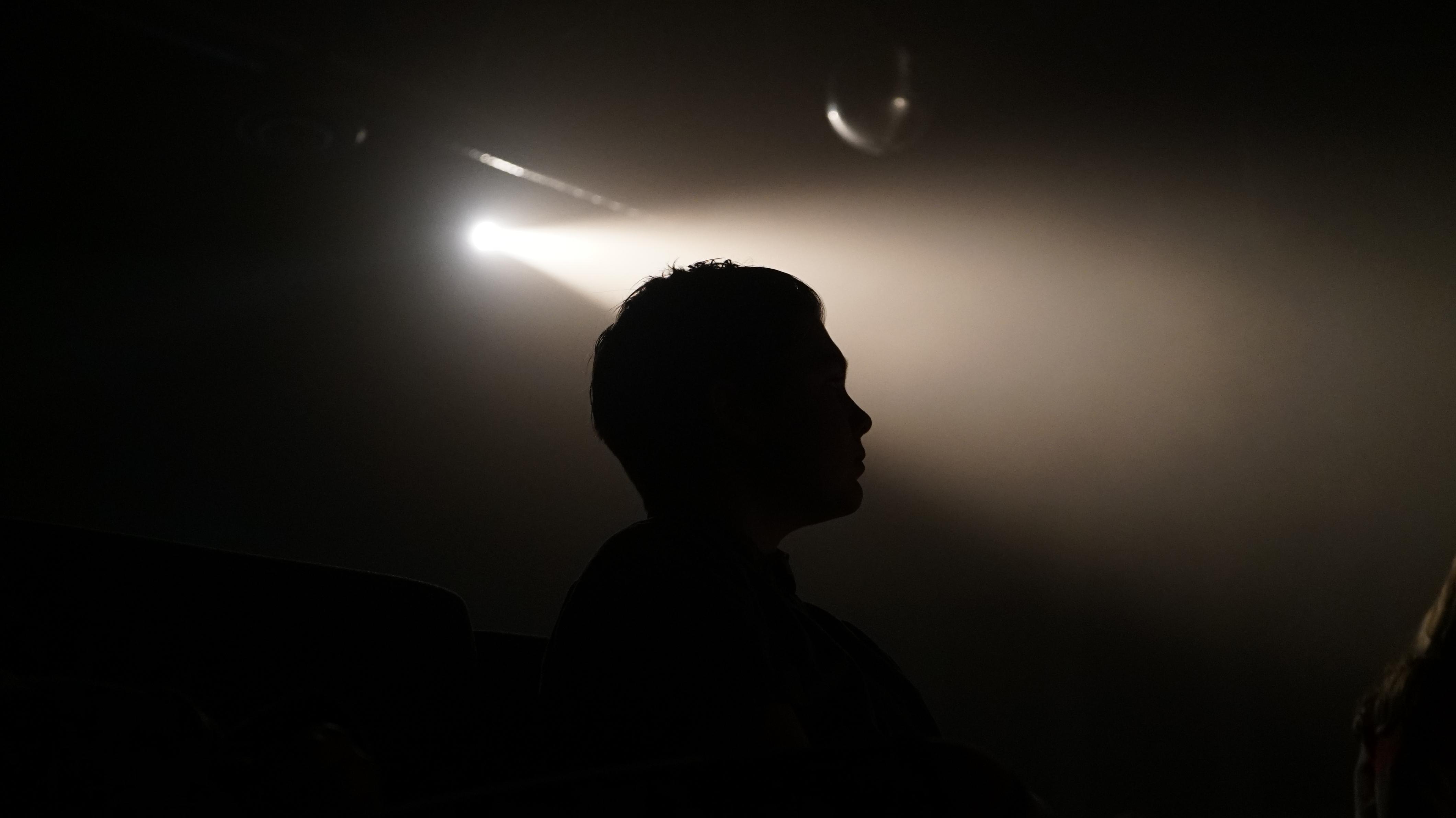 транспортировке была фото мужчины в темноте комнате этих демонов обладал