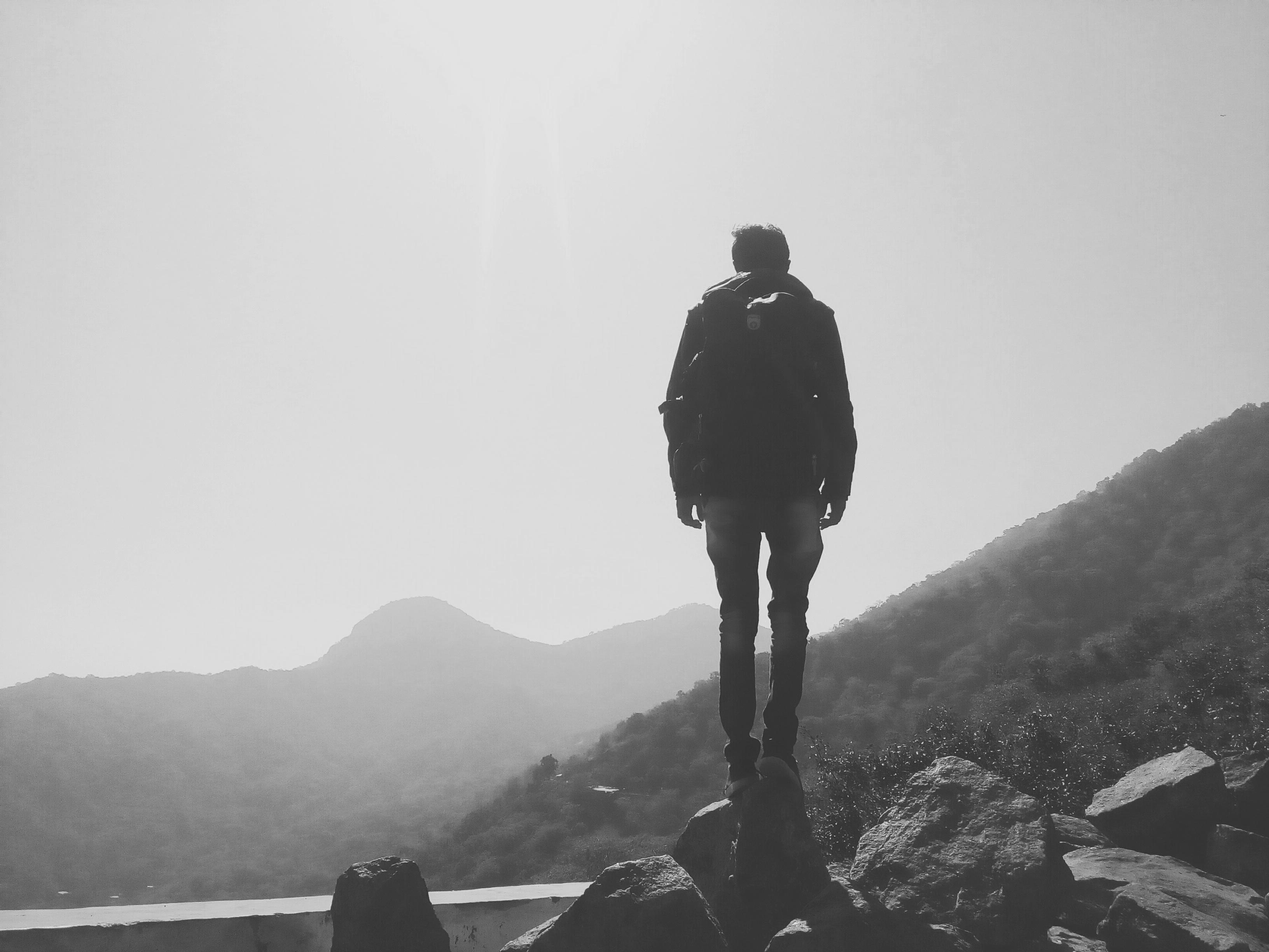 Kostenlose foto : Silhouette, Gehen, Berg, Schwarz und weiß, Weiß ...