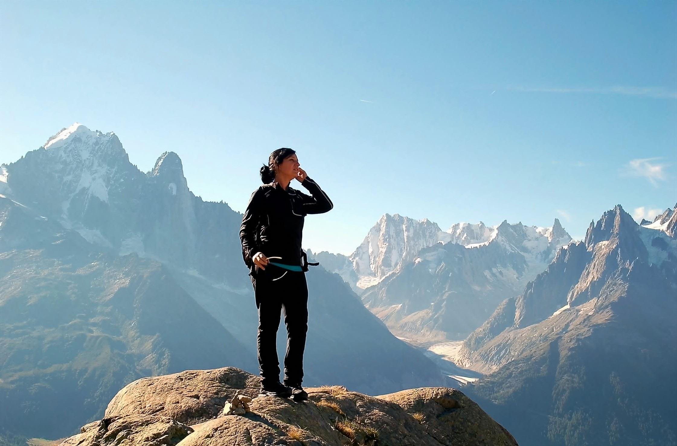 Фотографии человек в горах удивительное