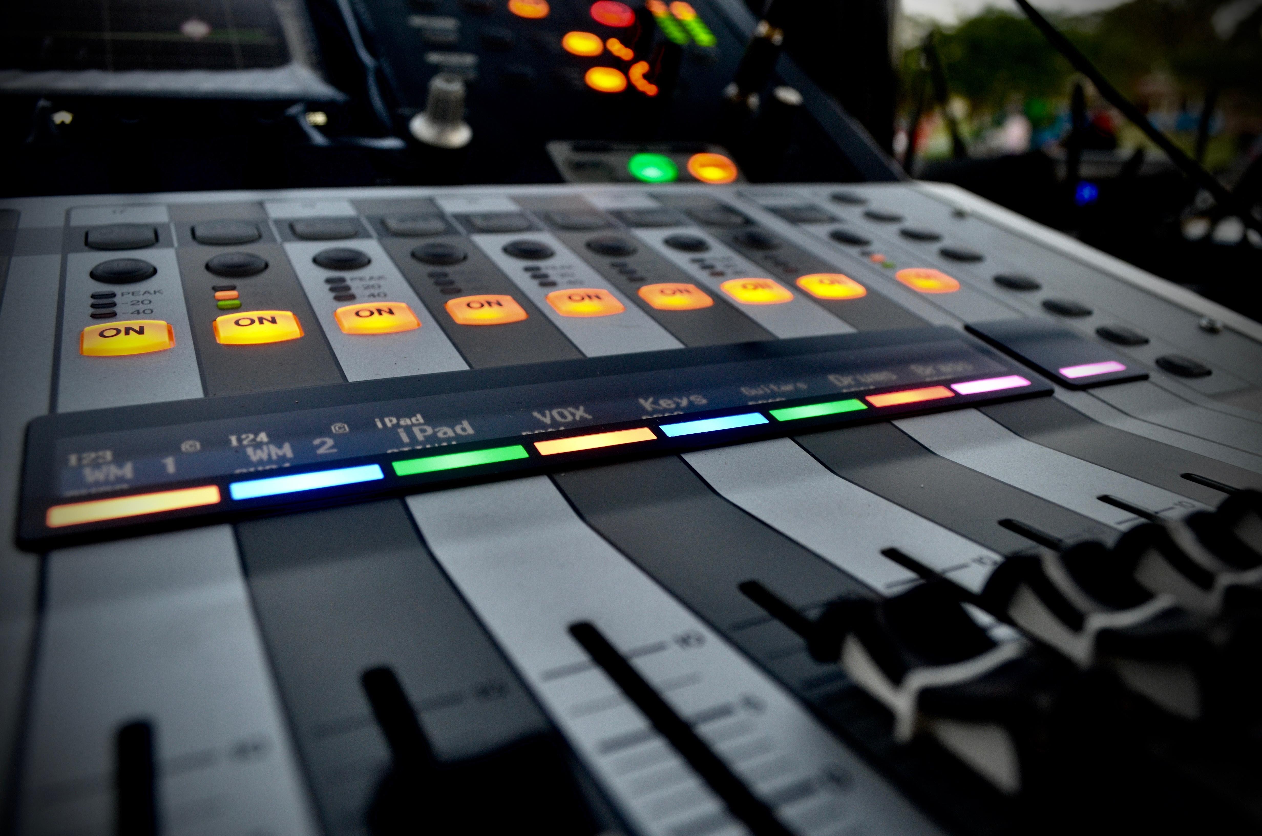 Free Images : singer, band, yamaha, electronics, mixer, synthesizer