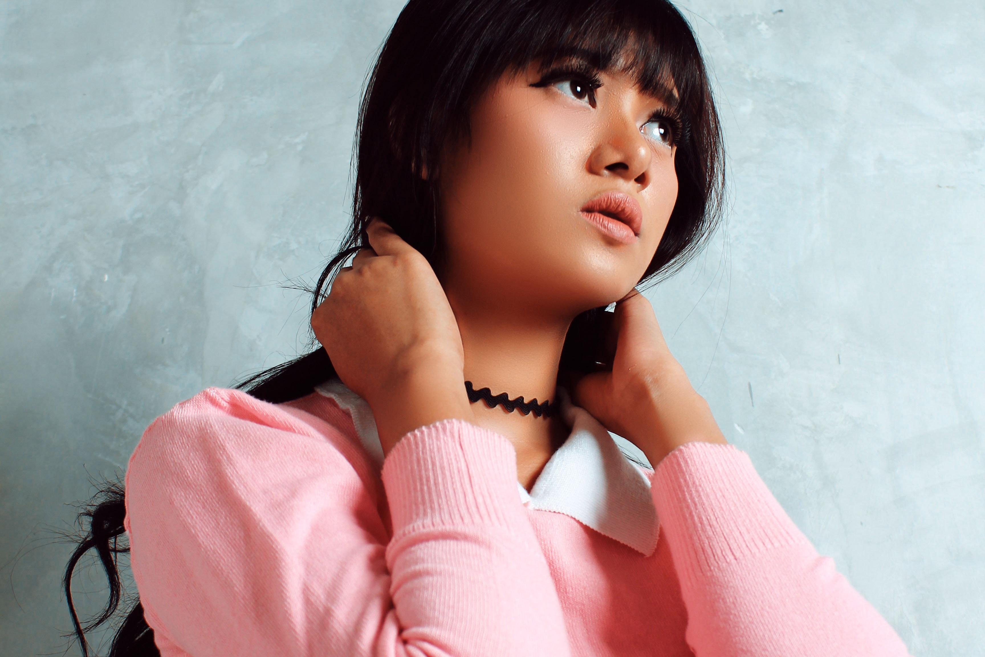 Fotoğraf Cilt Pembe Güzellik Kız Siyah Saç Kahverengi Saç