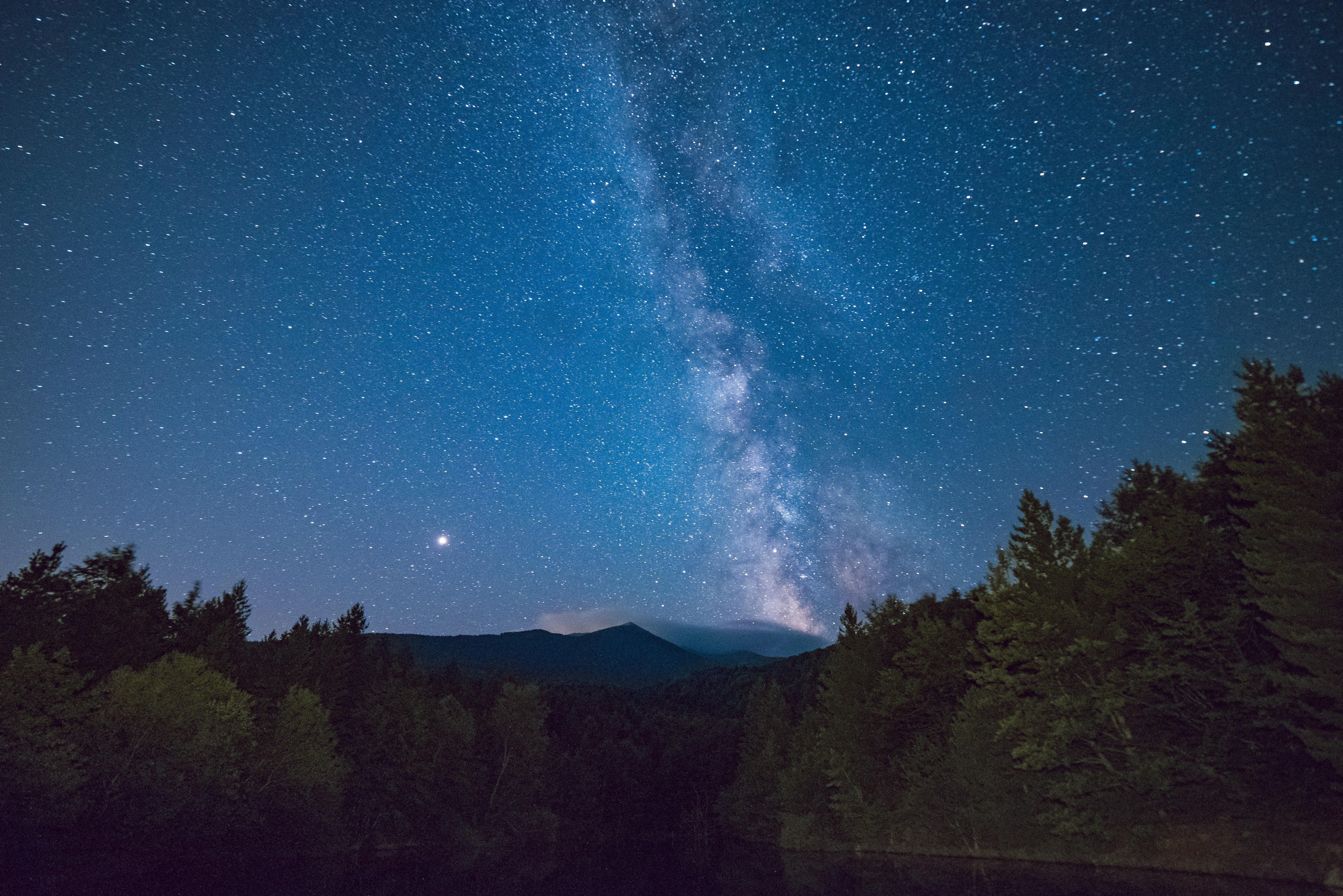 Gambar Langit Bintang Fenomena Atmosfer Objek Astronomi Suasana Pohon Gurun Gunung Ruang Pemandangan Awan Taman Nasional Tengah Malam Alam Semesta Kegelapan Bukit Hutan 5647x3770 1559933 Galeri Foto Pxhere