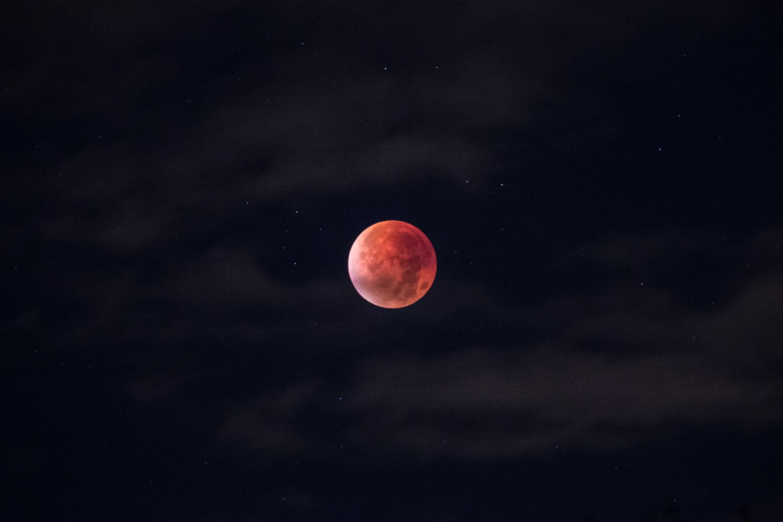 кровавое затмение луны картинки что предыстория