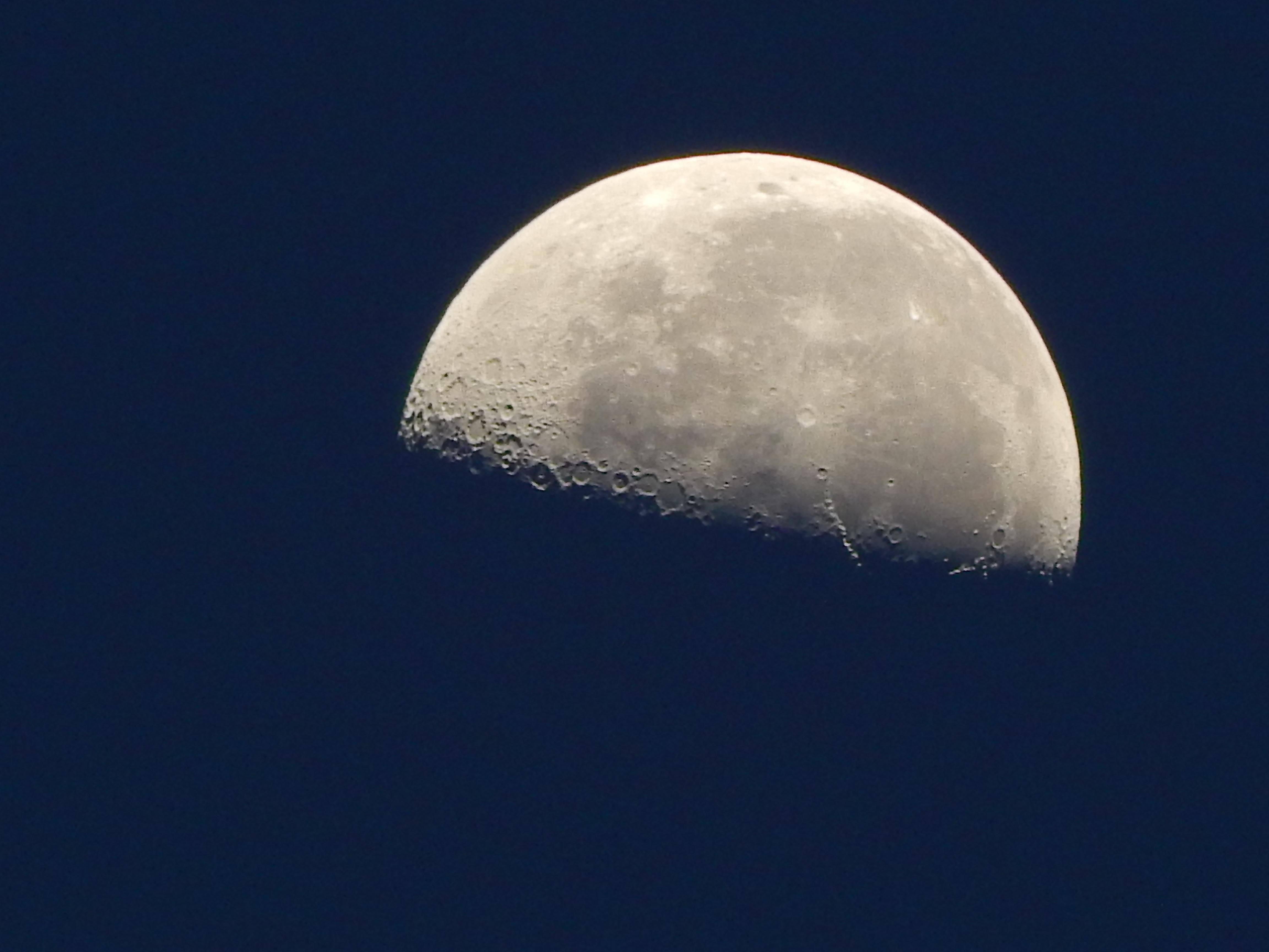 Gambar Langit Malam Suasana Bulan Purnama Sinar Bulan Sabit