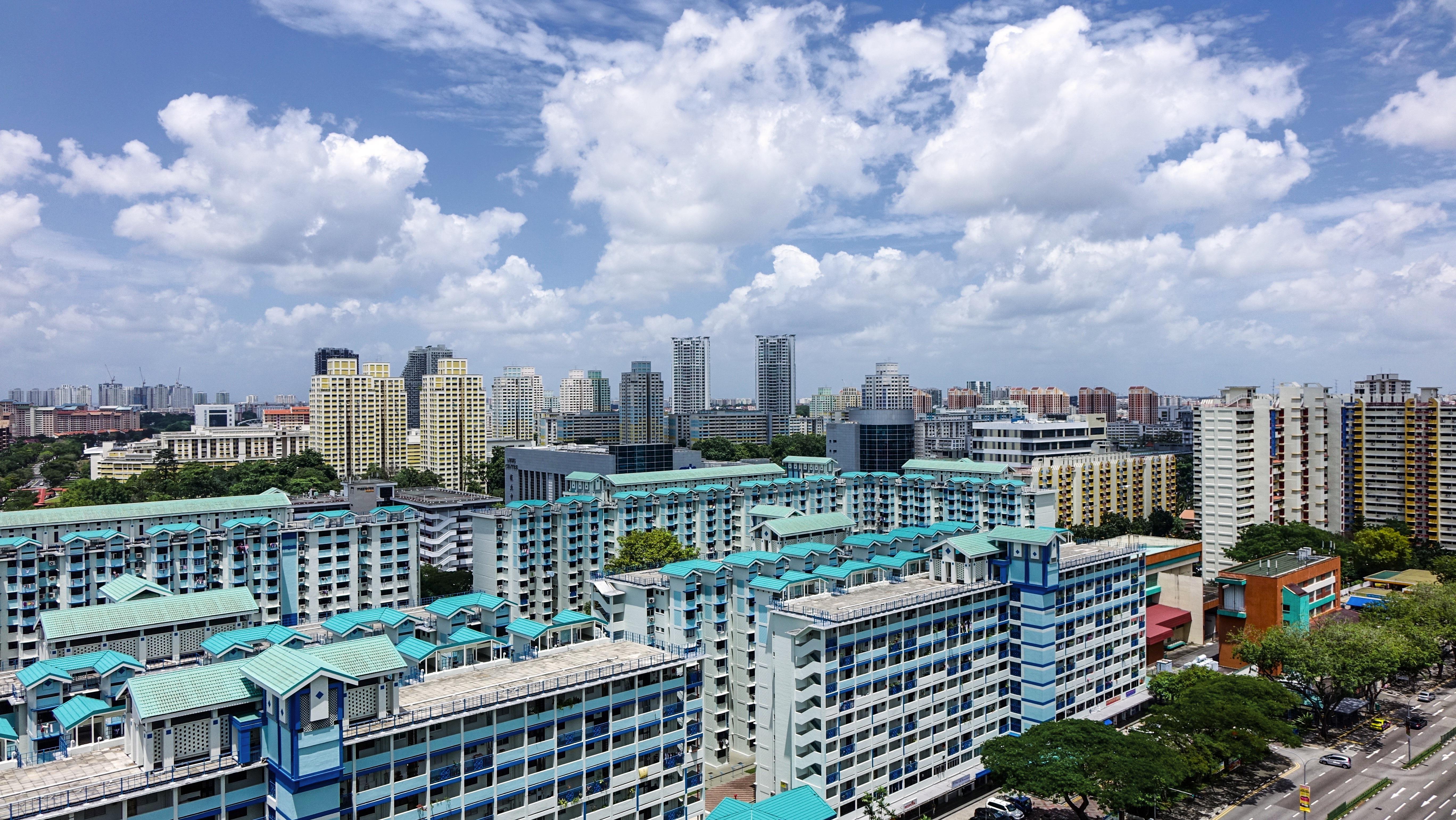 fotos gratis cielo horizonte rascacielos paisaje urbano centro de la ciudad azul bloque de pisos alojamiento edificios singapur metrpoli