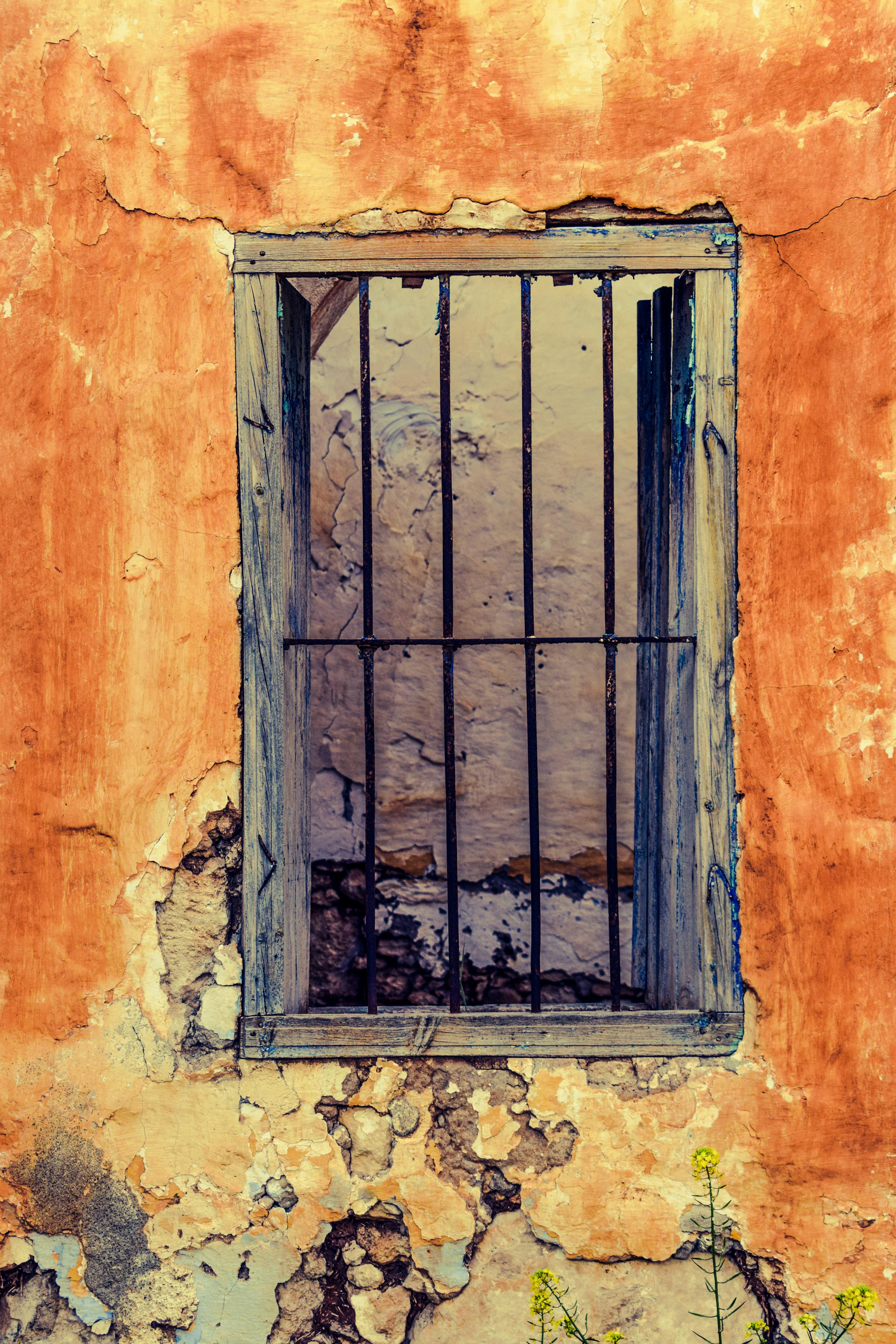 Ciel Texture Fenêtre Mur Fissure Peindre Façade Abandonné Pourriture Se  Ruiner Jaune Porte La Peinture Maison