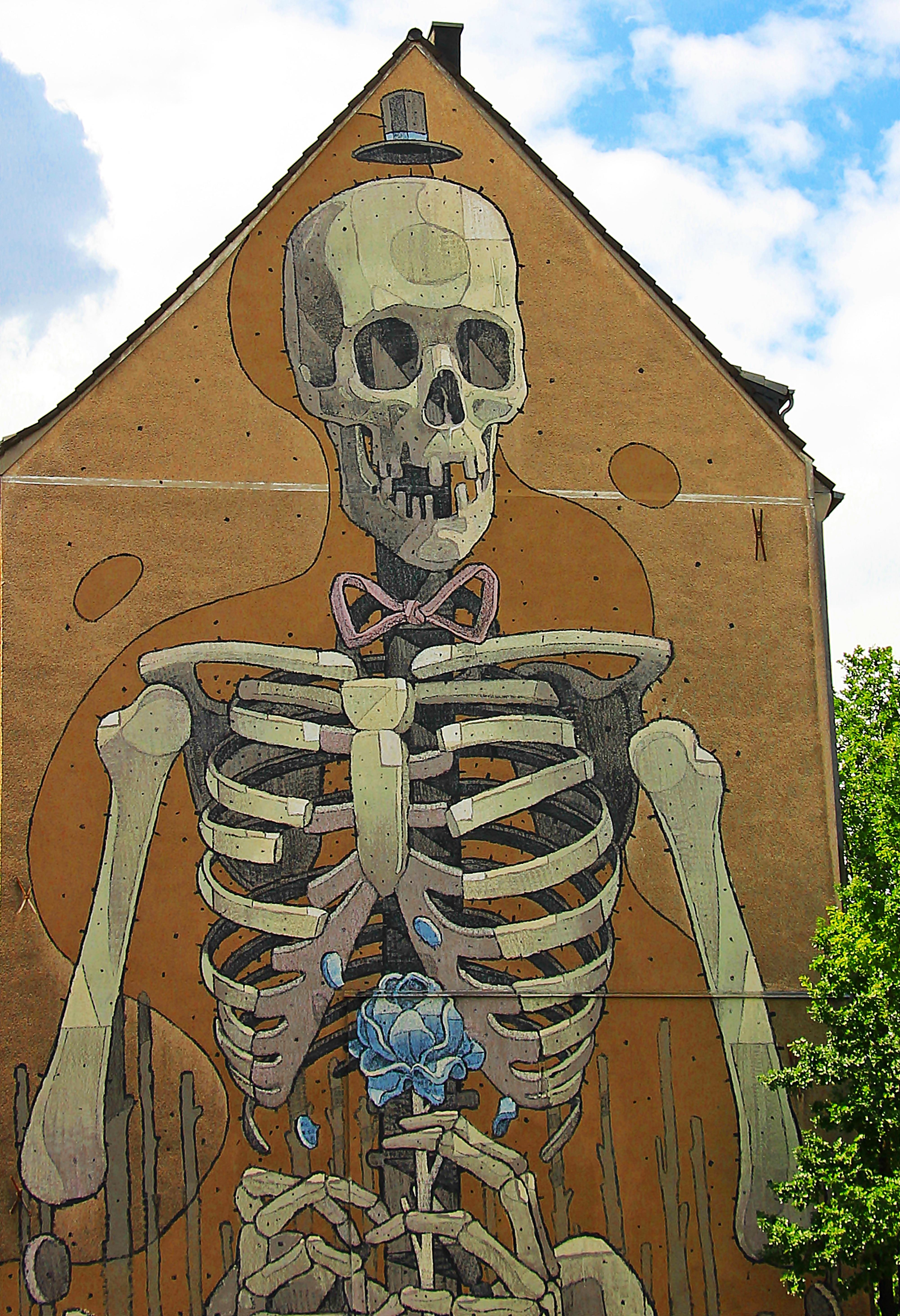 Fotoğraf Gökyüzü Anıt şehir Merkezinde Sprey Cephe Duvar
