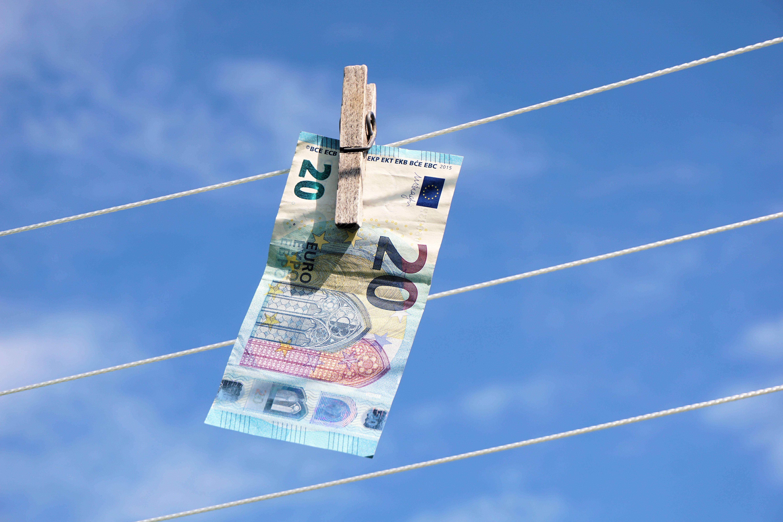 Hvidvaskning af penge online