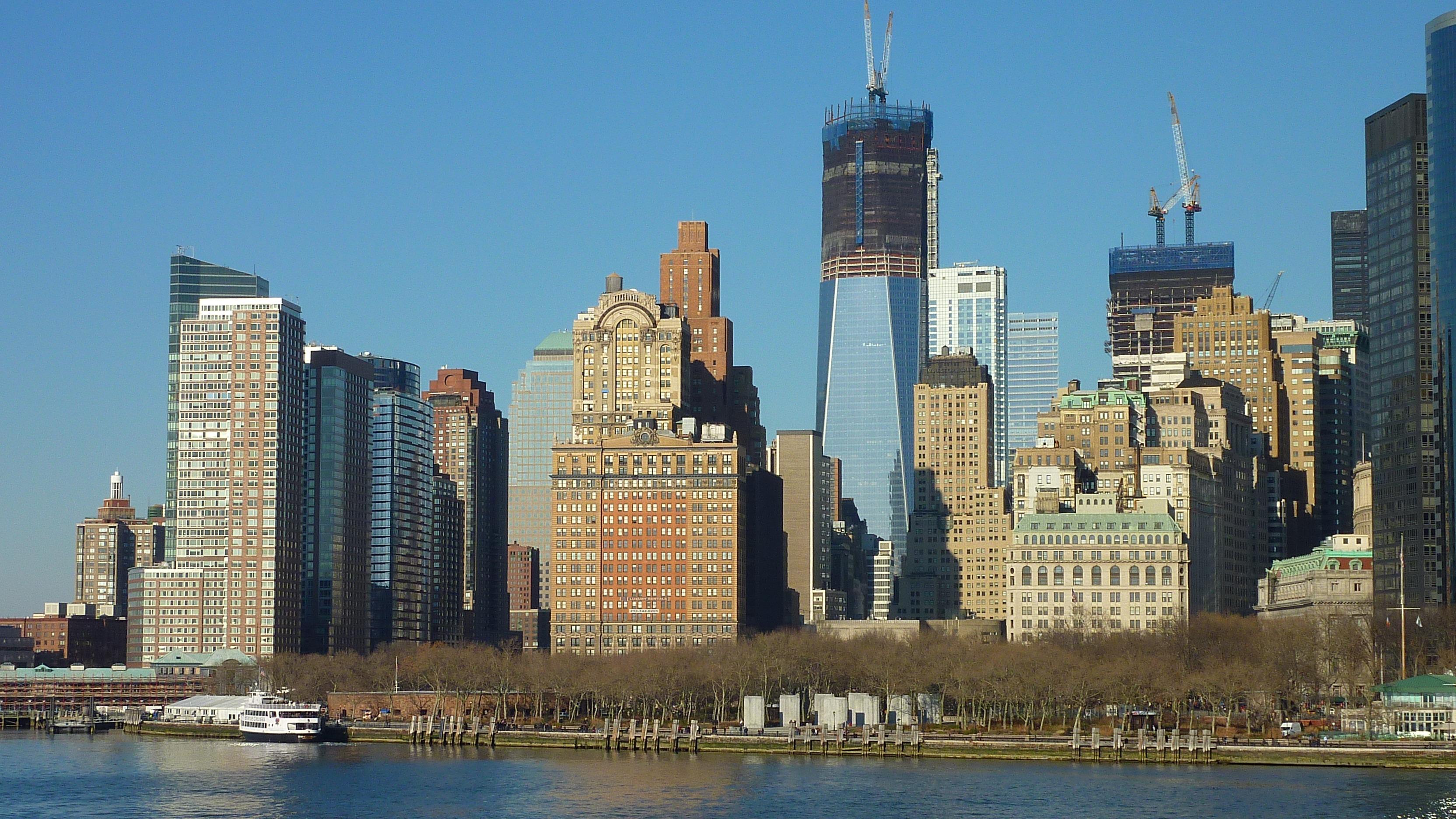 fotos gratis horizonte rascacielos nueva york manhattan nueva york paisaje urbano centro de la ciudad reflexin torre punto de referencia