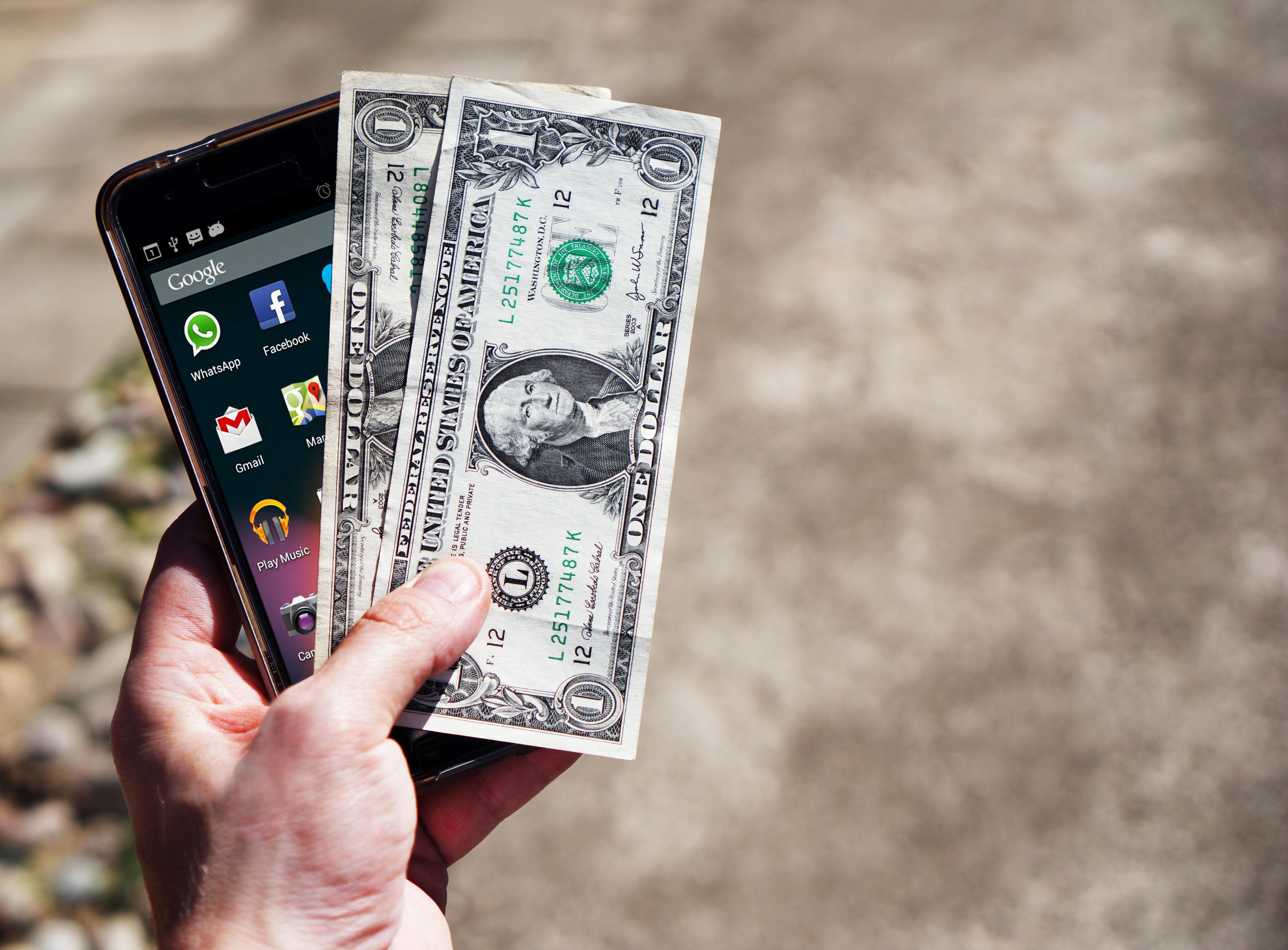 фотографии денег из телефона голос