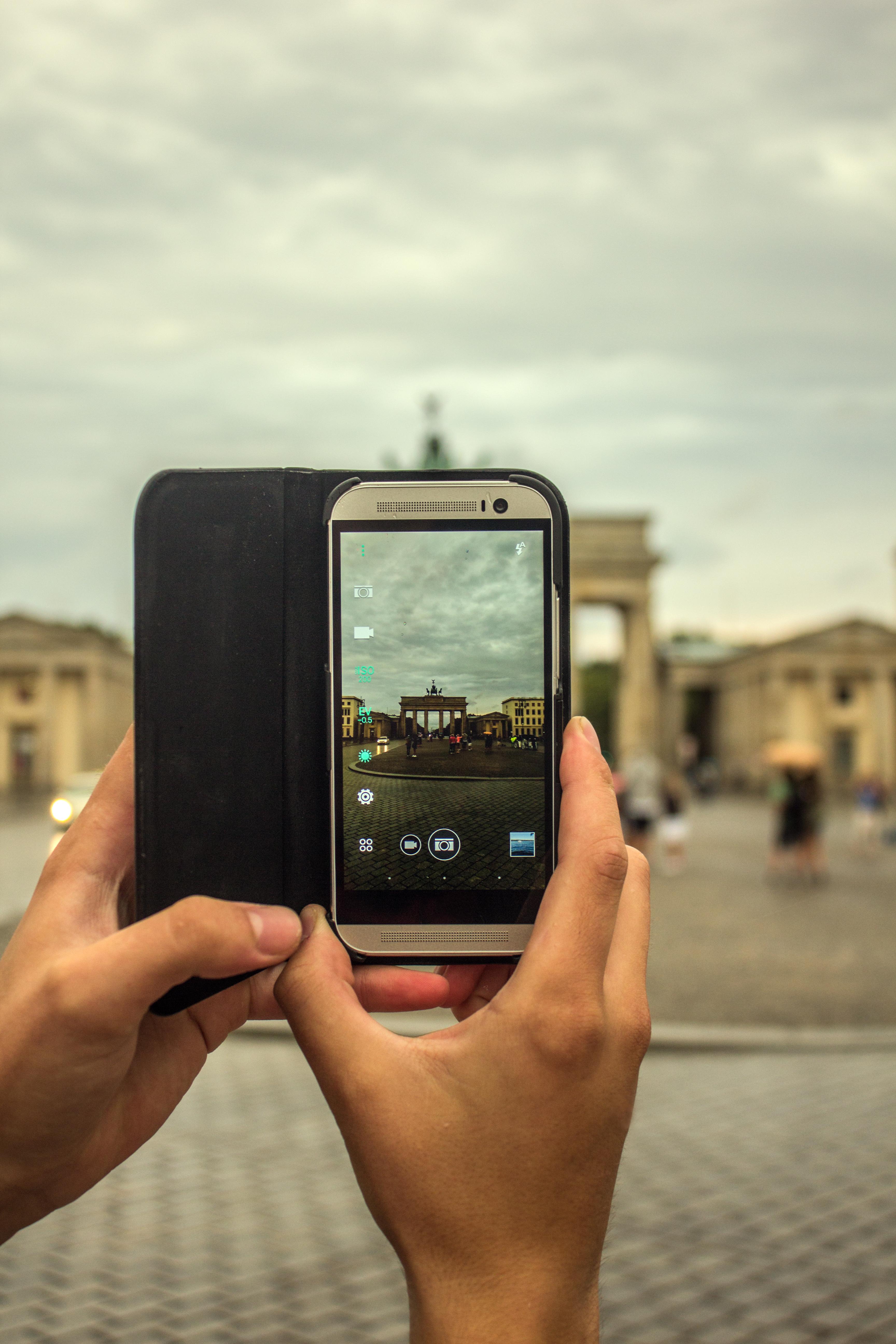 Смартфон фотографирует но показывает фотографии отличии