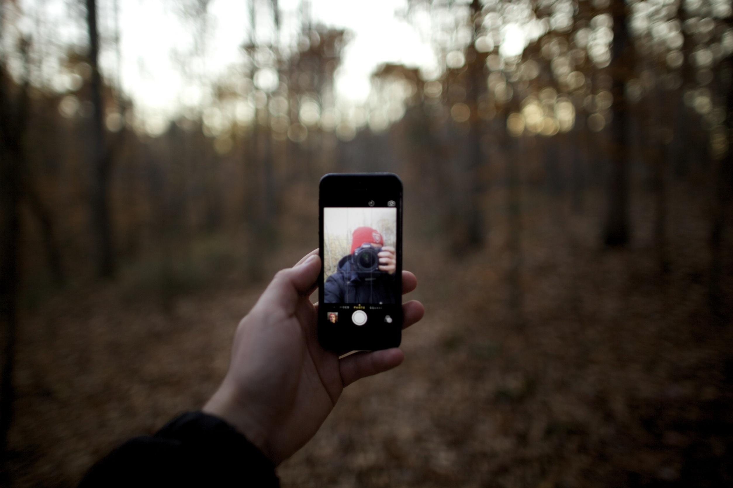 очень телефон фотографирует а фото черное для маленьких гостей