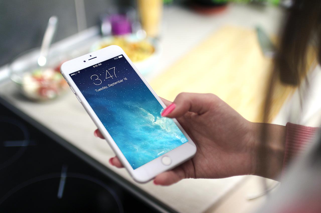 Fotos gratis : Smartphone, escritura, mano, manzana, persona, mujer ...