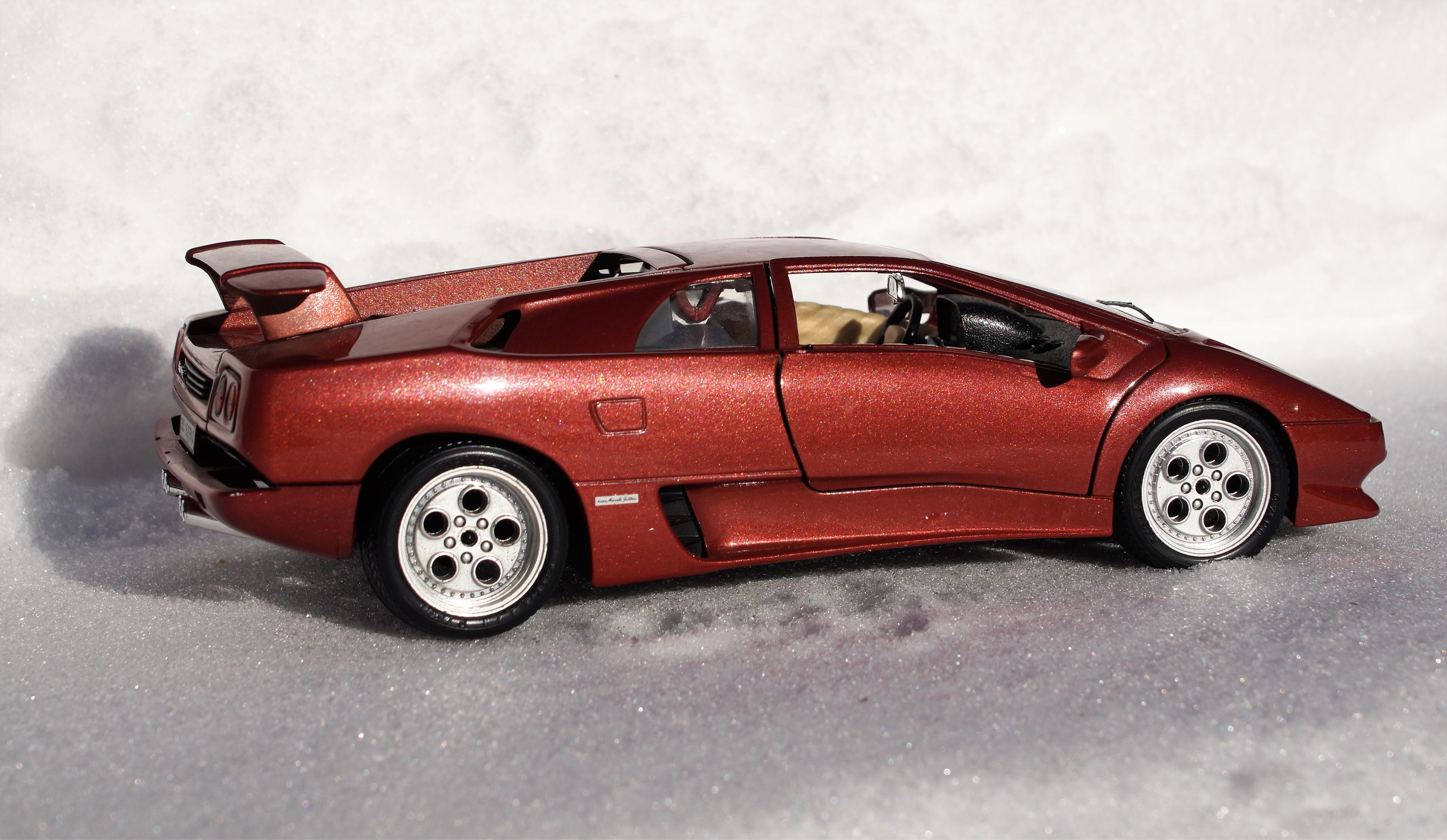 Snow Car Wheel Model Vehicle Auto Automotive Sports Car Supercar Toys  Oldtimer Lamborghini Vehicles Diablo Model