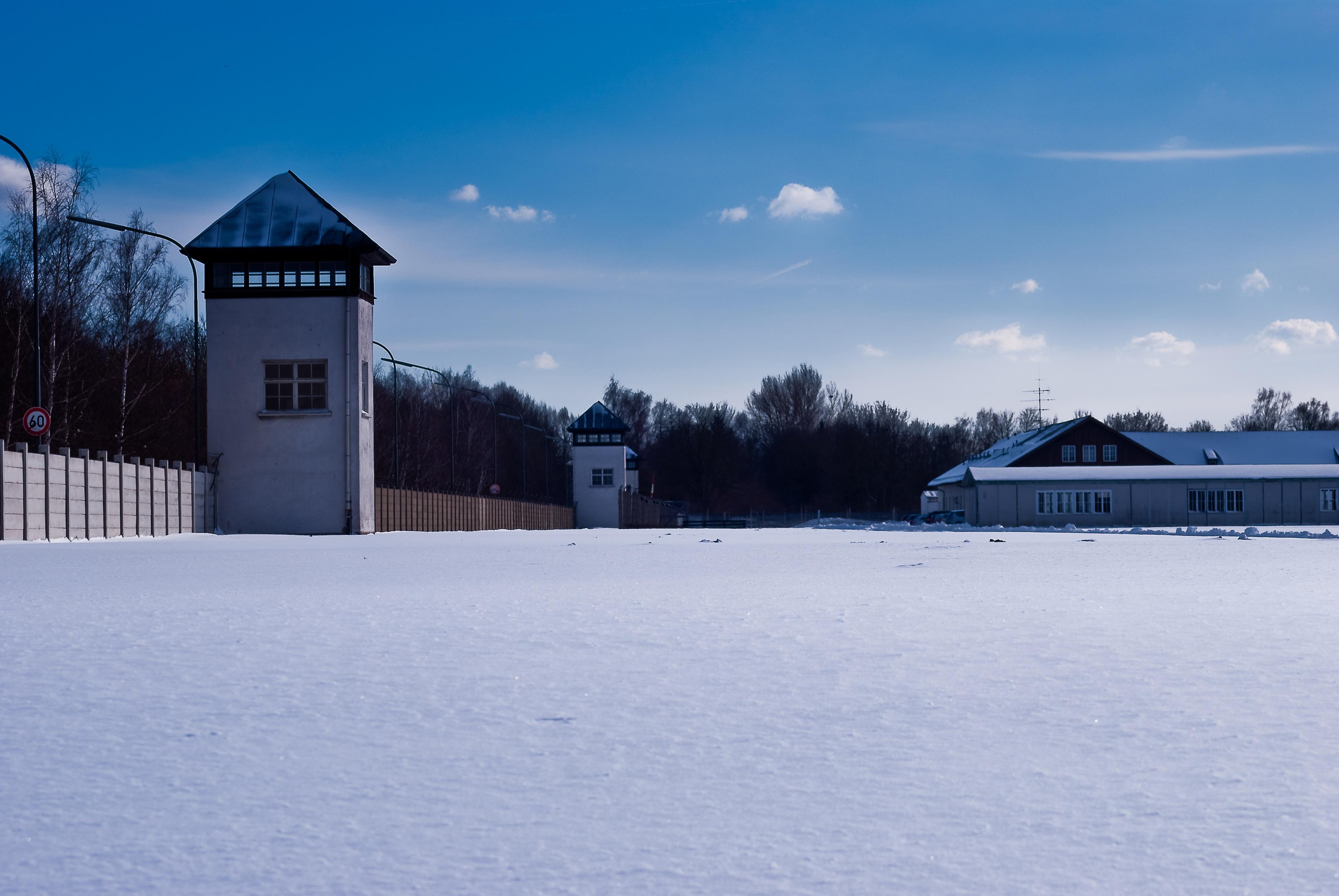 Kostenlose foto : Schnee, kalt, Winter, Stacheldraht, Himmel, Mauer ...