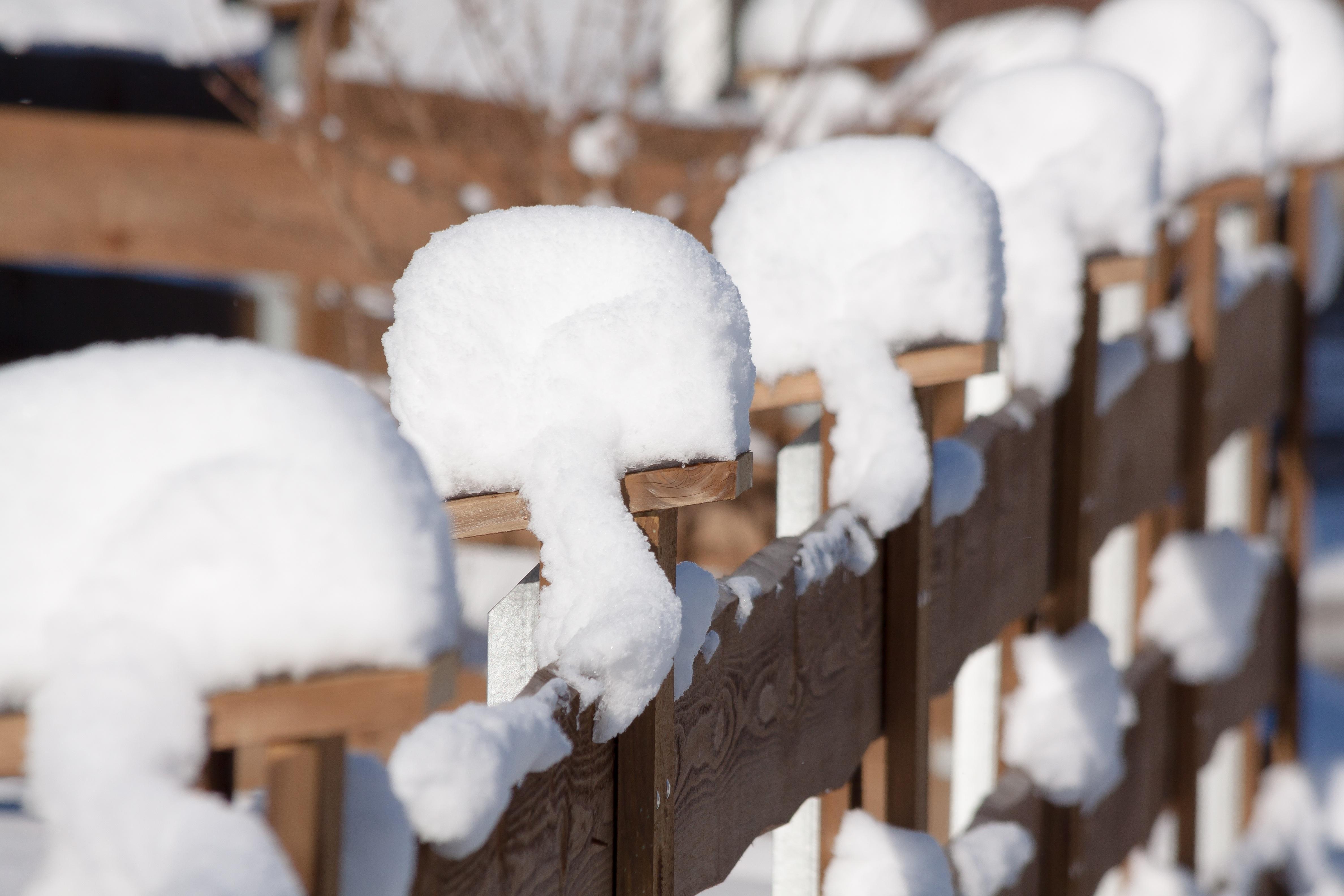 Kostenlose foto Schnee kalt Winter Zaun Weiß Wetter