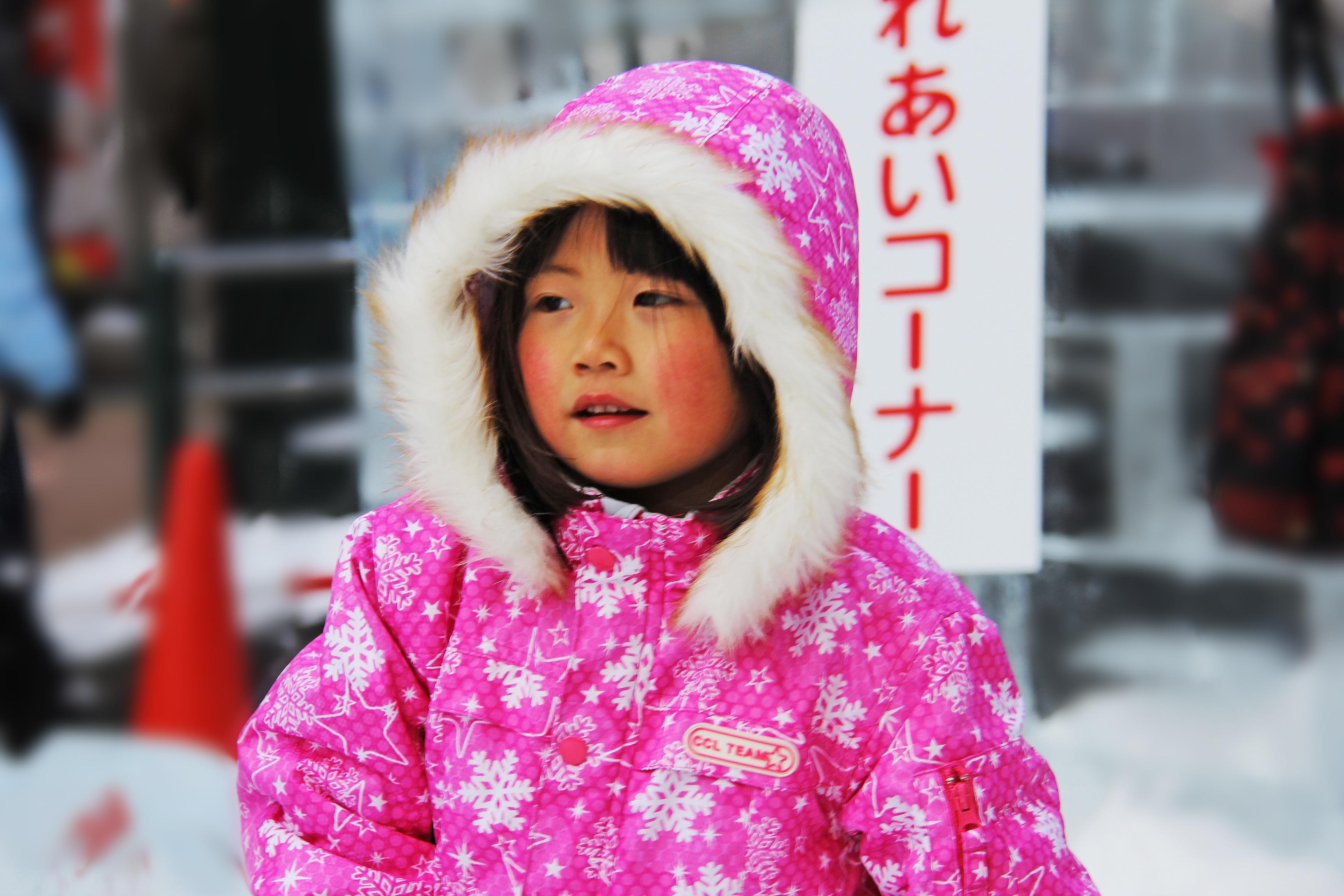 Fotos gratis : nieve, frío, invierno, niña, blanco, dulce, niño ...