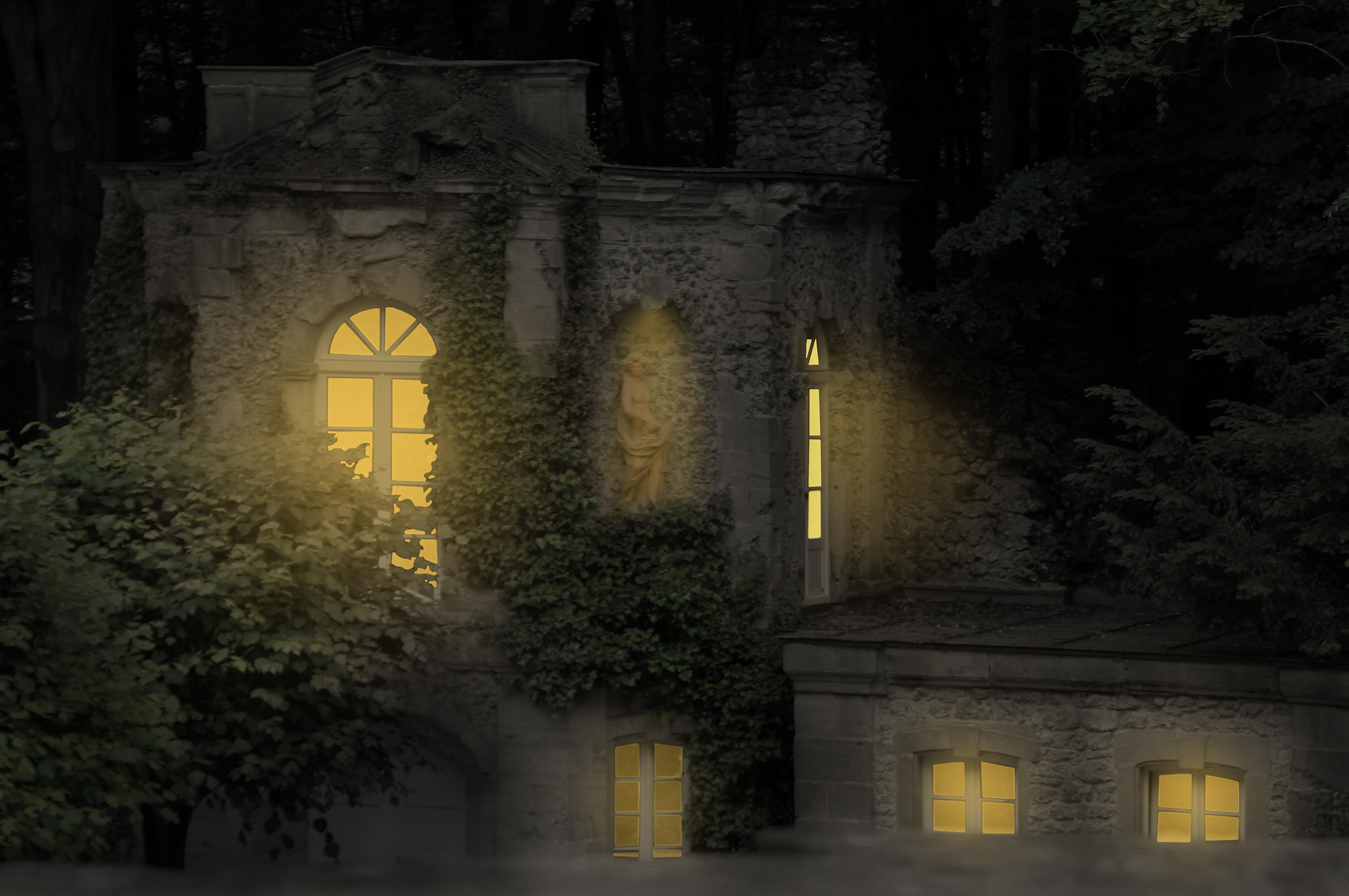 kastil gelap