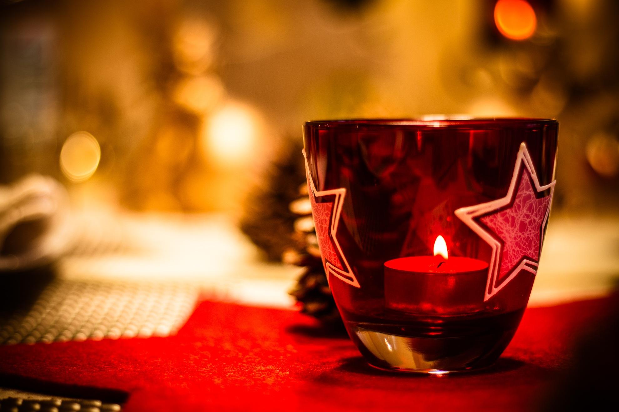 kostenlose foto schnee licht wein glas dekoration gr n rot farbe getr nk dunkelheit. Black Bedroom Furniture Sets. Home Design Ideas