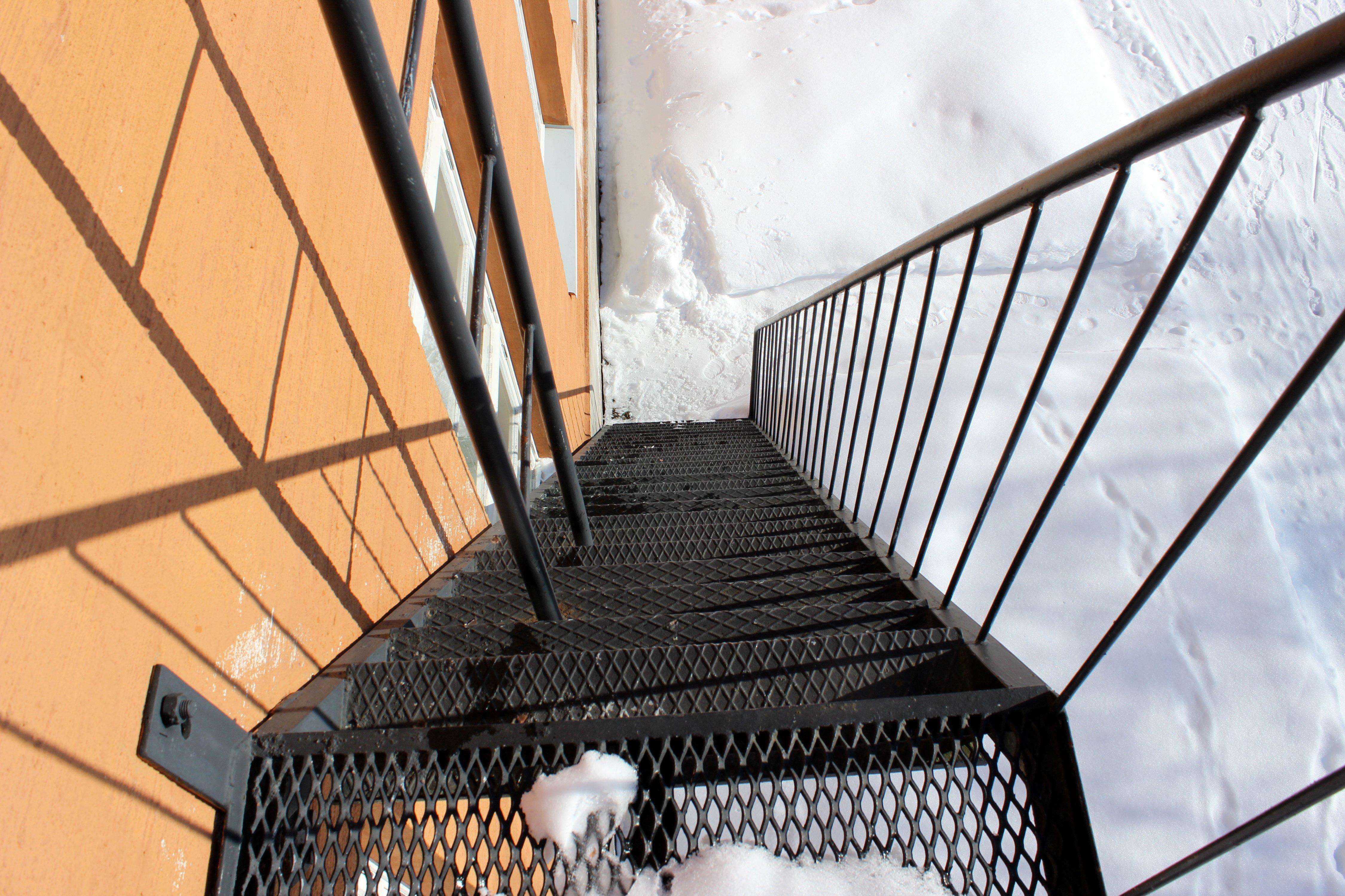 Images Gratuites : neige, hiver, abstrait, architecture, toit, la ...