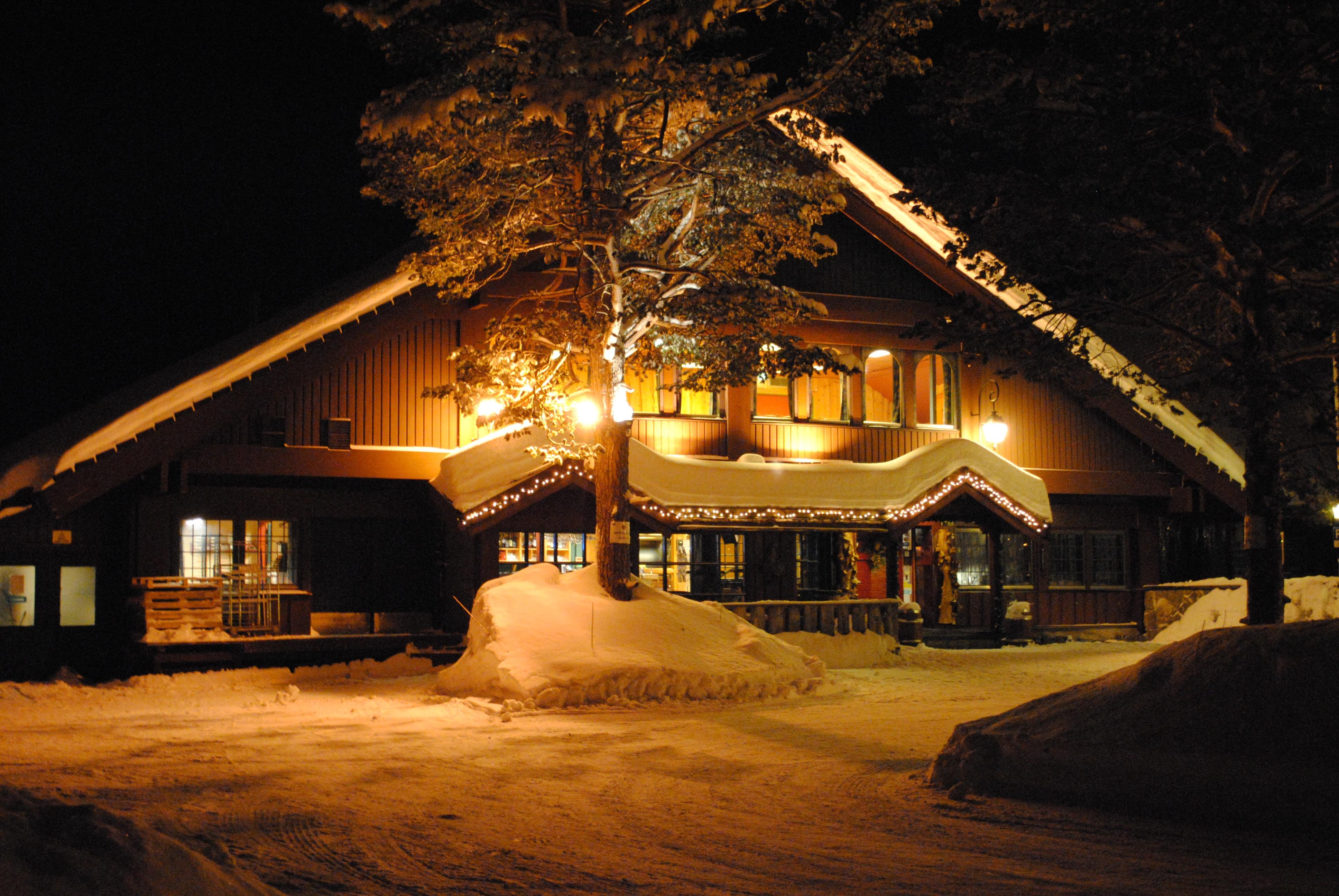 kostenlose foto schnee winter licht nacht haus abend dunkelheit beleuchtung. Black Bedroom Furniture Sets. Home Design Ideas