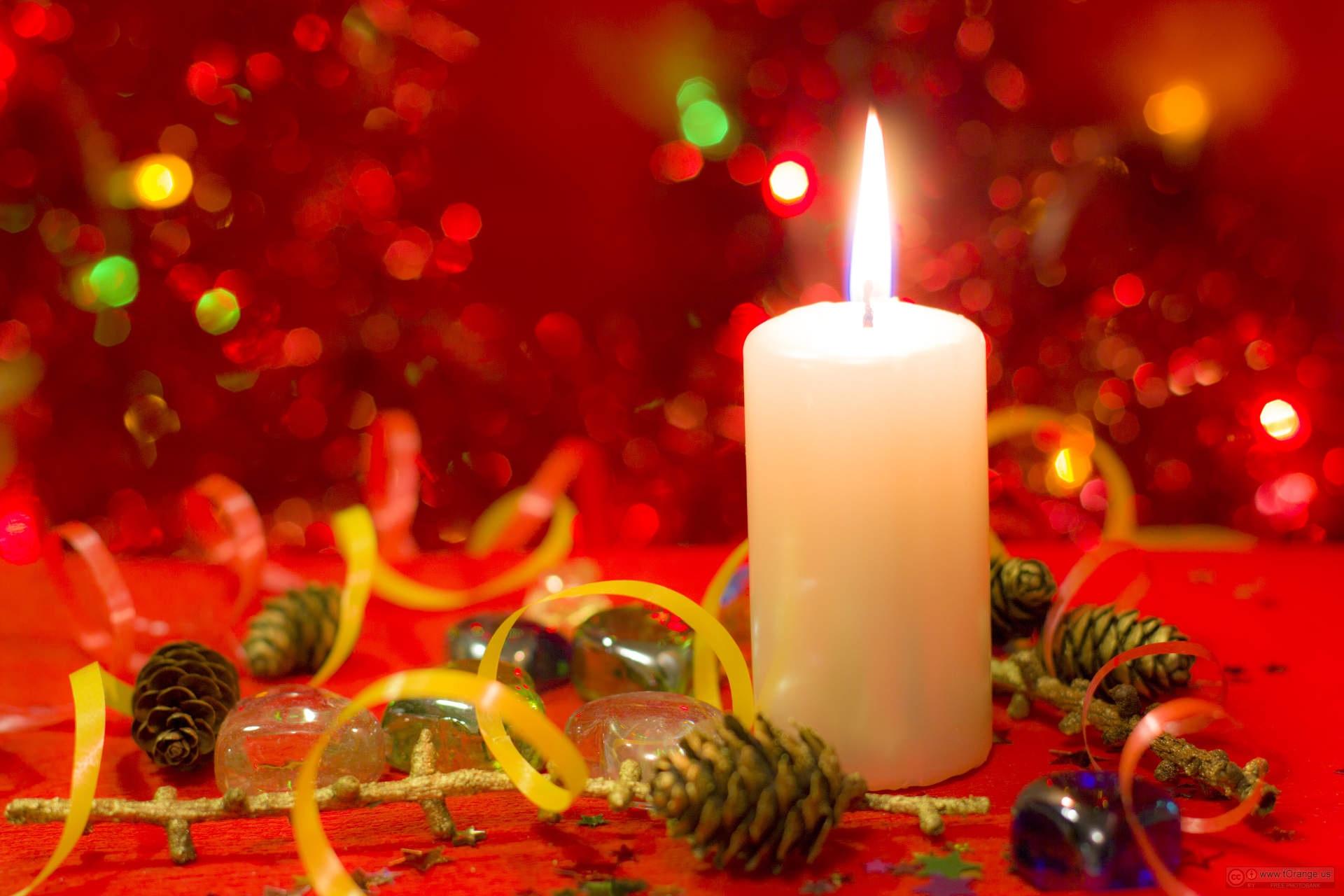 несколько картинки красные свечи и новый год попросили телефон