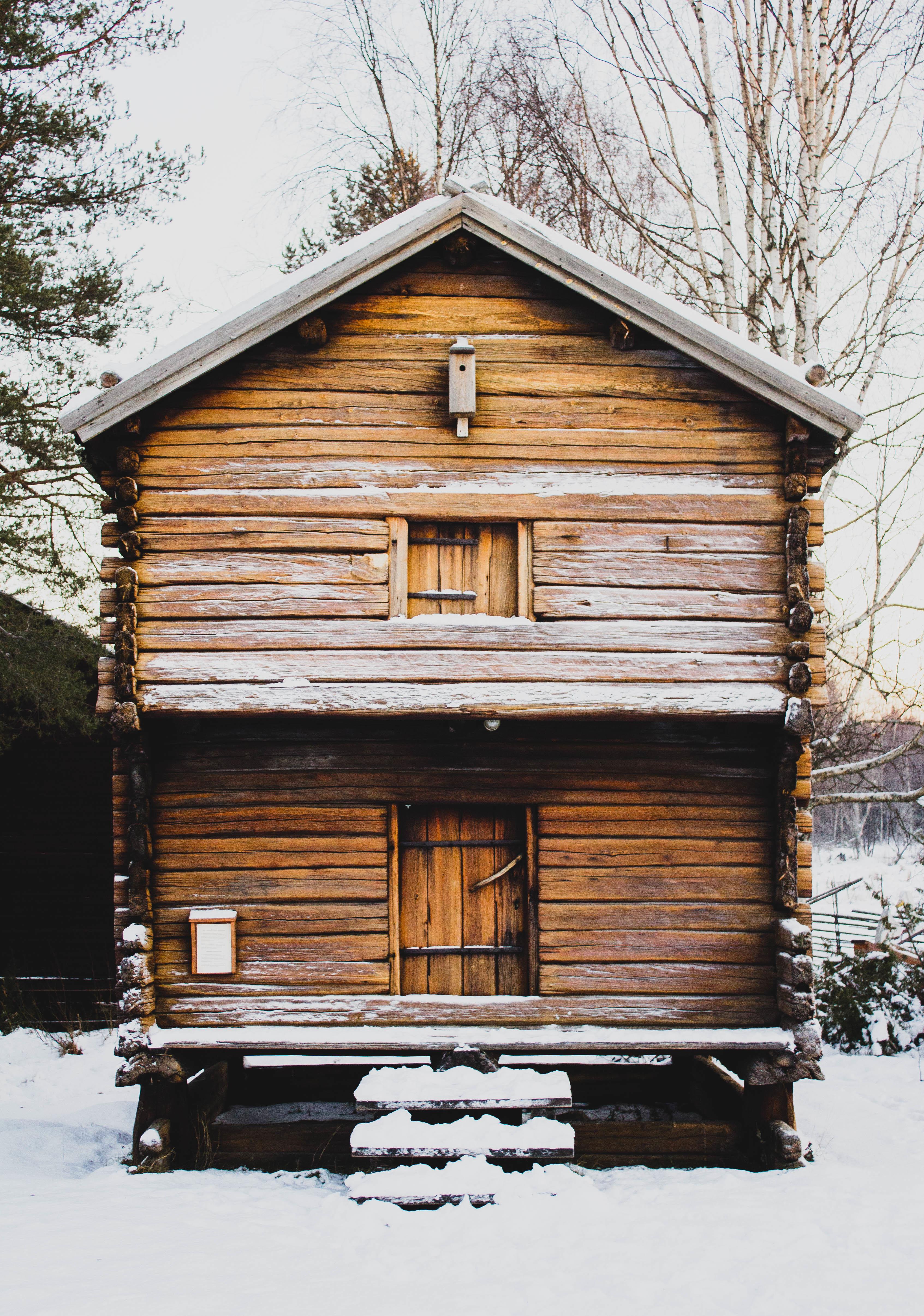 Fotos gratis : nieve, invierno, casa, ventana, edificio, granero ...