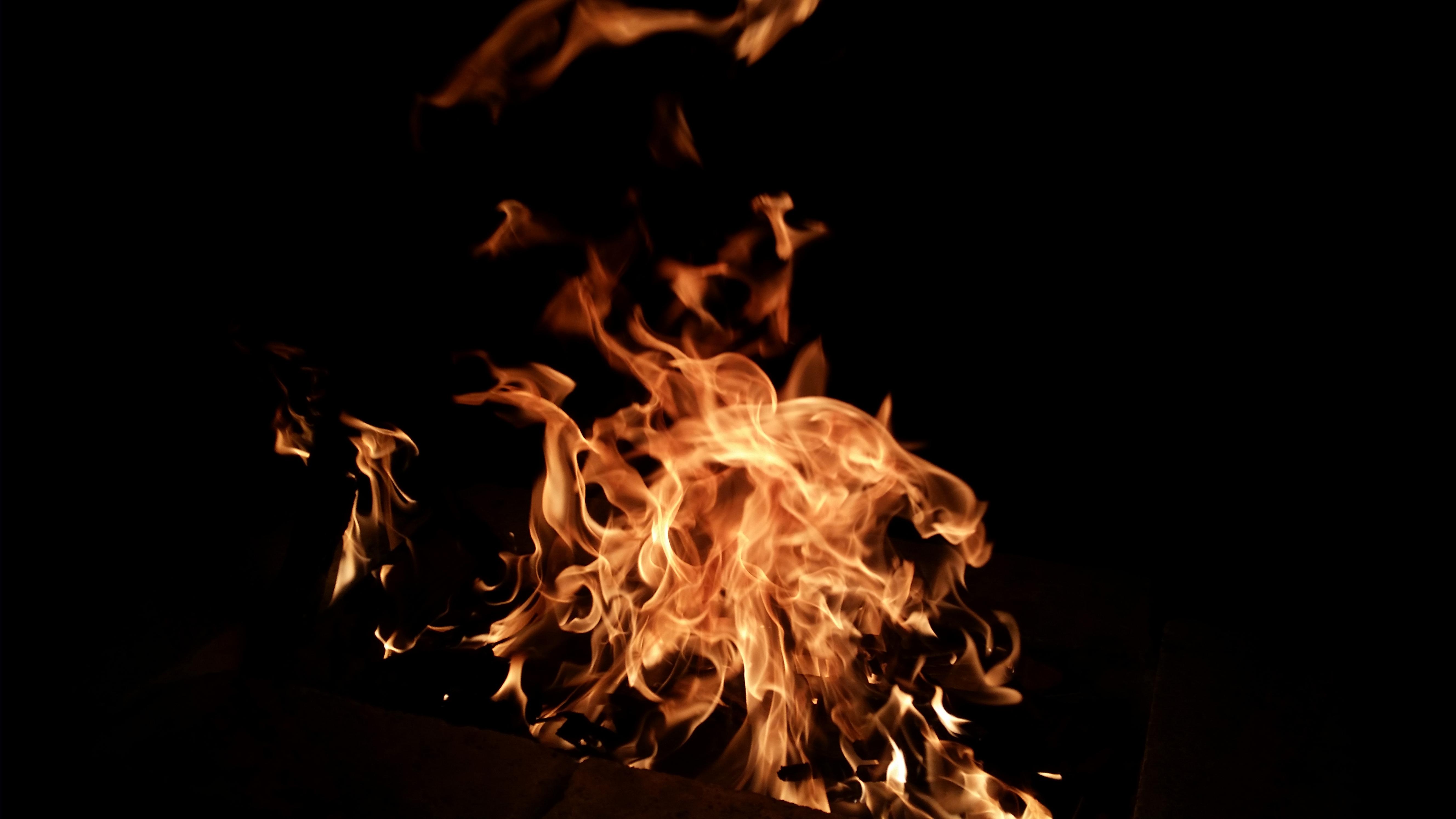 того, девушка картинка всполохи огня сужений чередуются