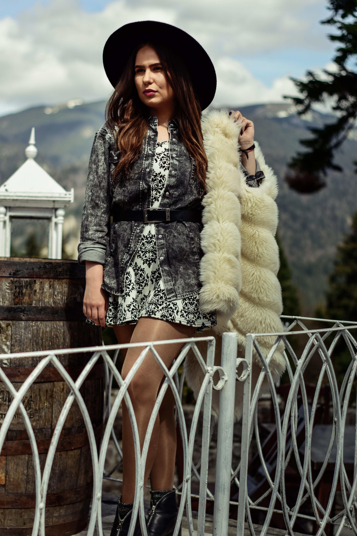 613c9b11986e špeciálna žena kožušinové odevy kožušina vrchné odevy textilné dievča zimné  pokrývka hlavy fotenie džínsy bunda