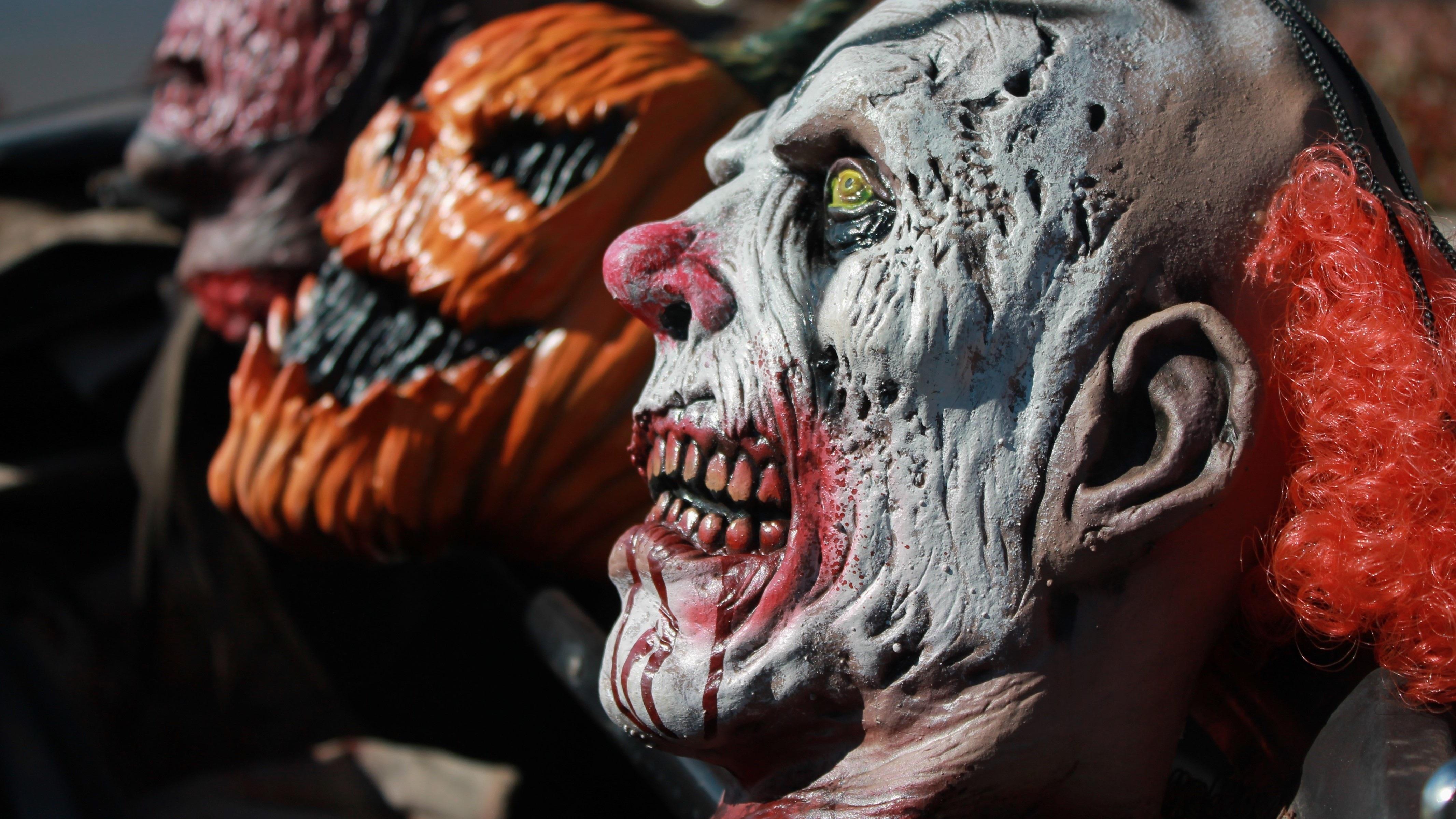 Skummel Halloween Sminke.Bildet Skummelt Statue Rod Karneval Sminke Skulptur