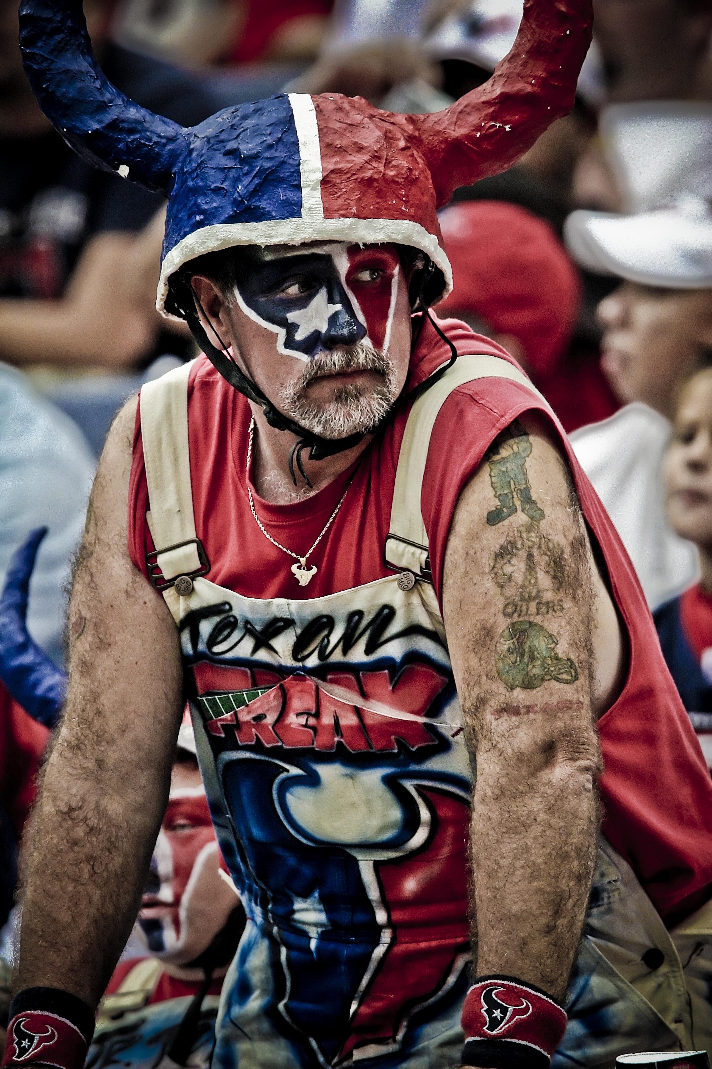 Gambar Pria Merah Penonton Pakaian Sepak Bola Stadion Ras Kaos Amerika Olahraga Festival Tim Dilukis Texas Karakter Kostum Tanduk