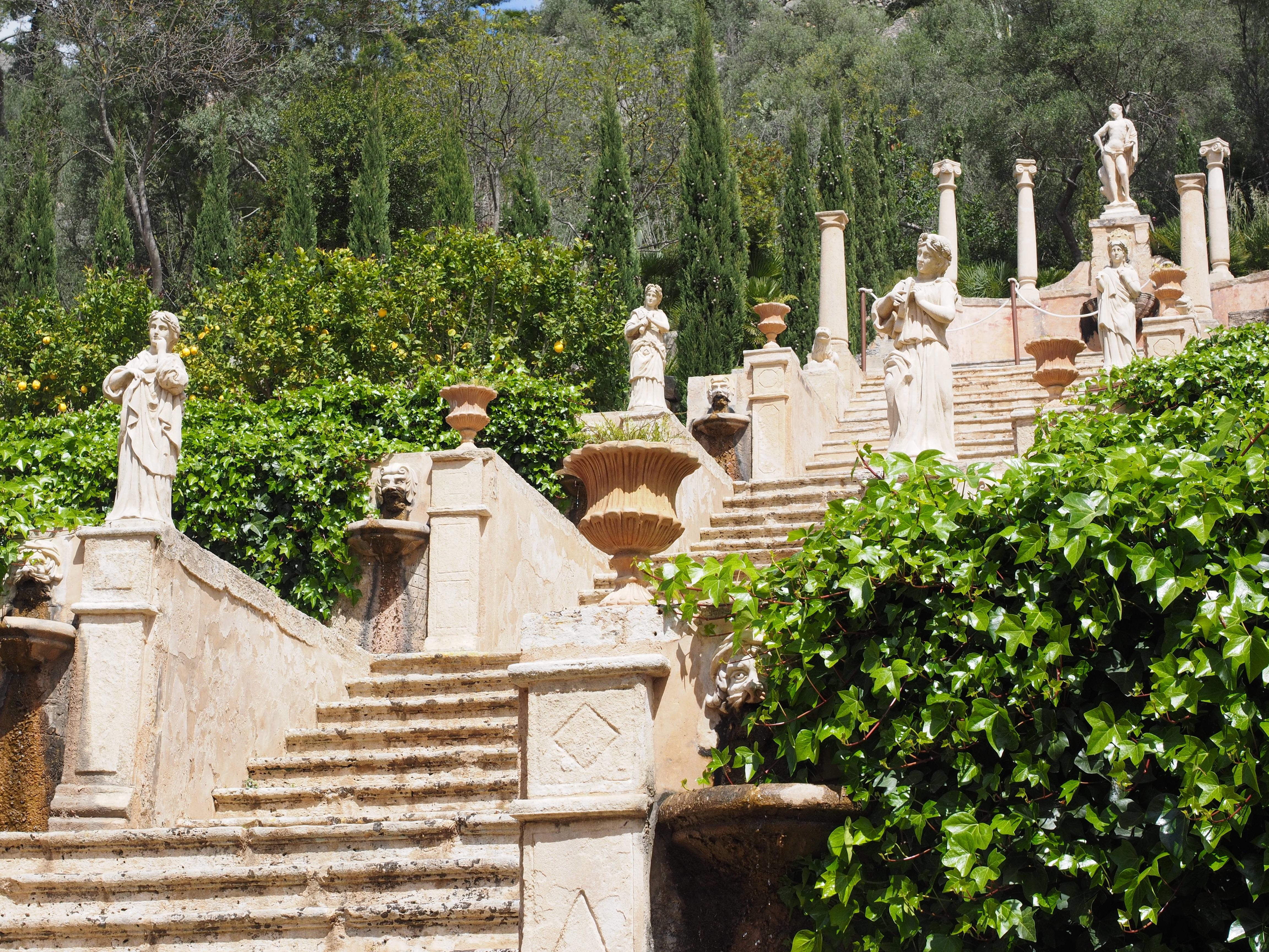 Fotos gratis escalera monumento cementerio jard n for Cementerio jardin