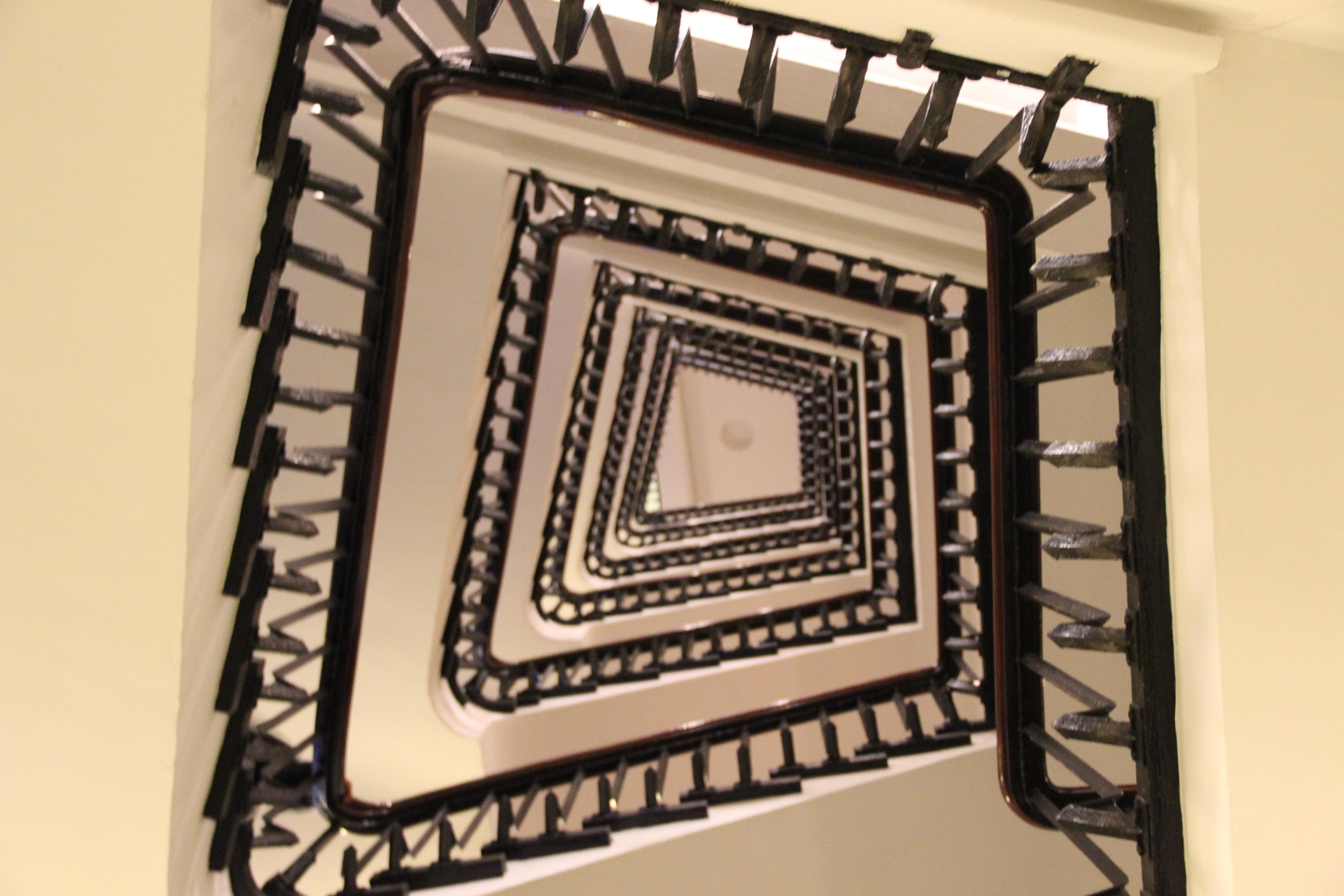 fantastisch bilderrahmen f r treppen zeitgen ssisch benutzerdefinierte bilderrahmen ideen. Black Bedroom Furniture Sets. Home Design Ideas
