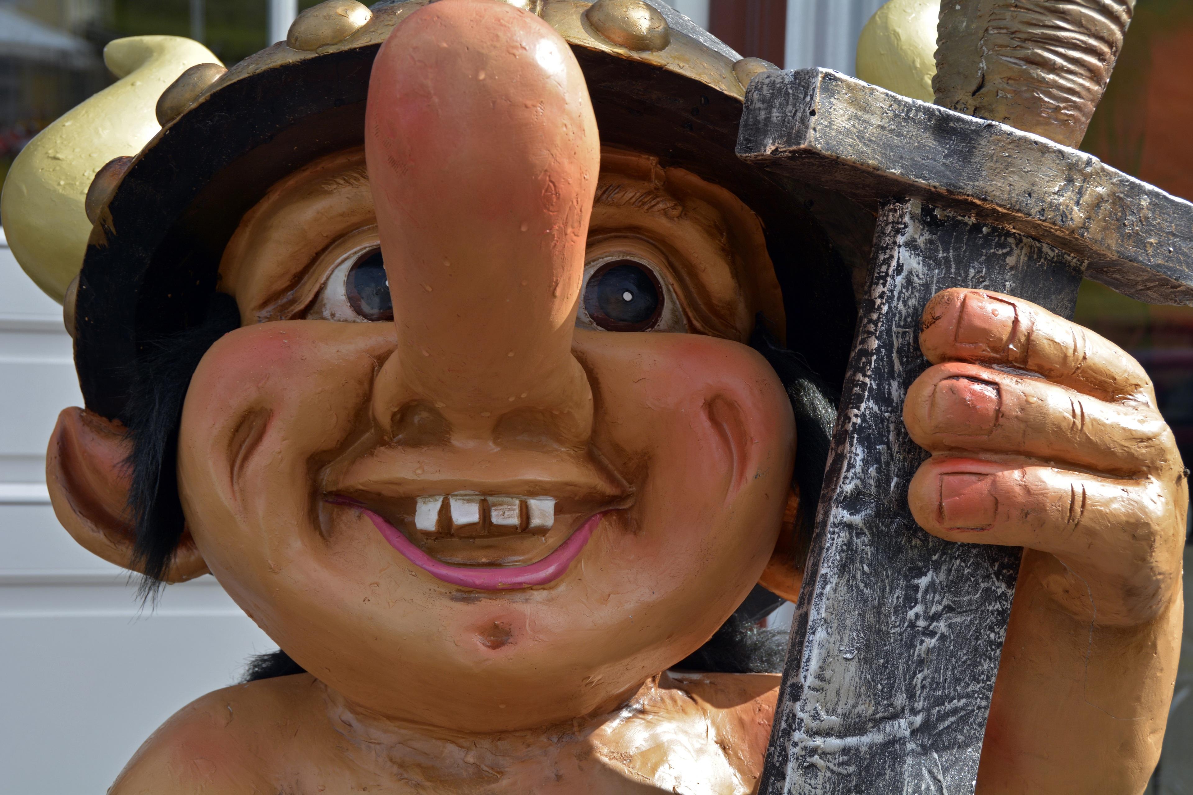 Gambar Patung Dekorasi Warna Anak Tersenyum Tertawa Mulut
