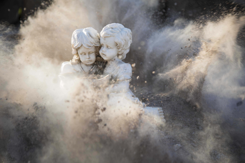Gambar Patung Gadis Anak Laki Laki Wanita Pria Perang