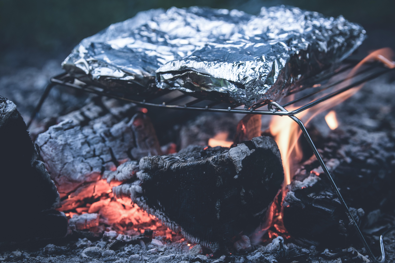 Fotos gratis : piedra, fumar, comida, llama, fuego, ceniza, hoguera ...