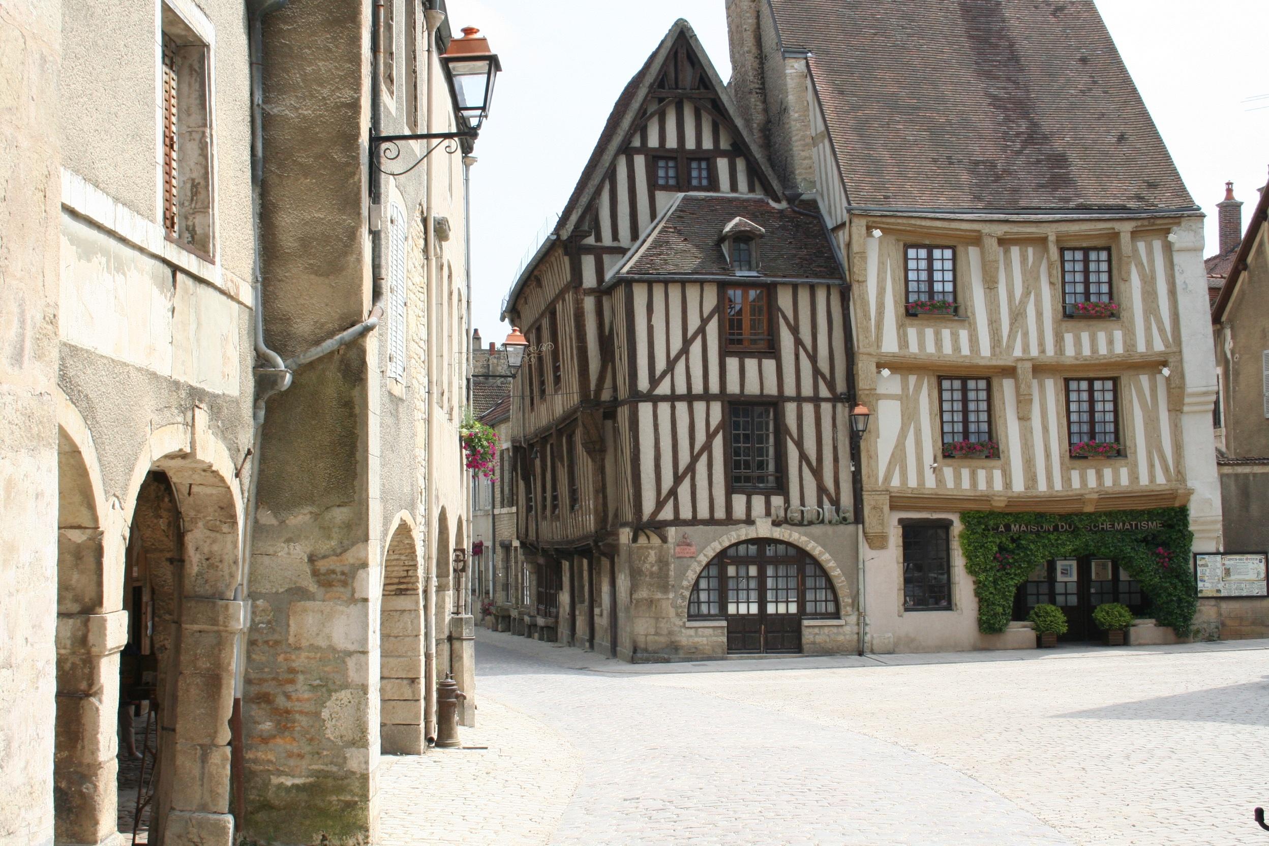Images gratuites rue fen tre b timent ch teau ruelle for Architecture fenetre